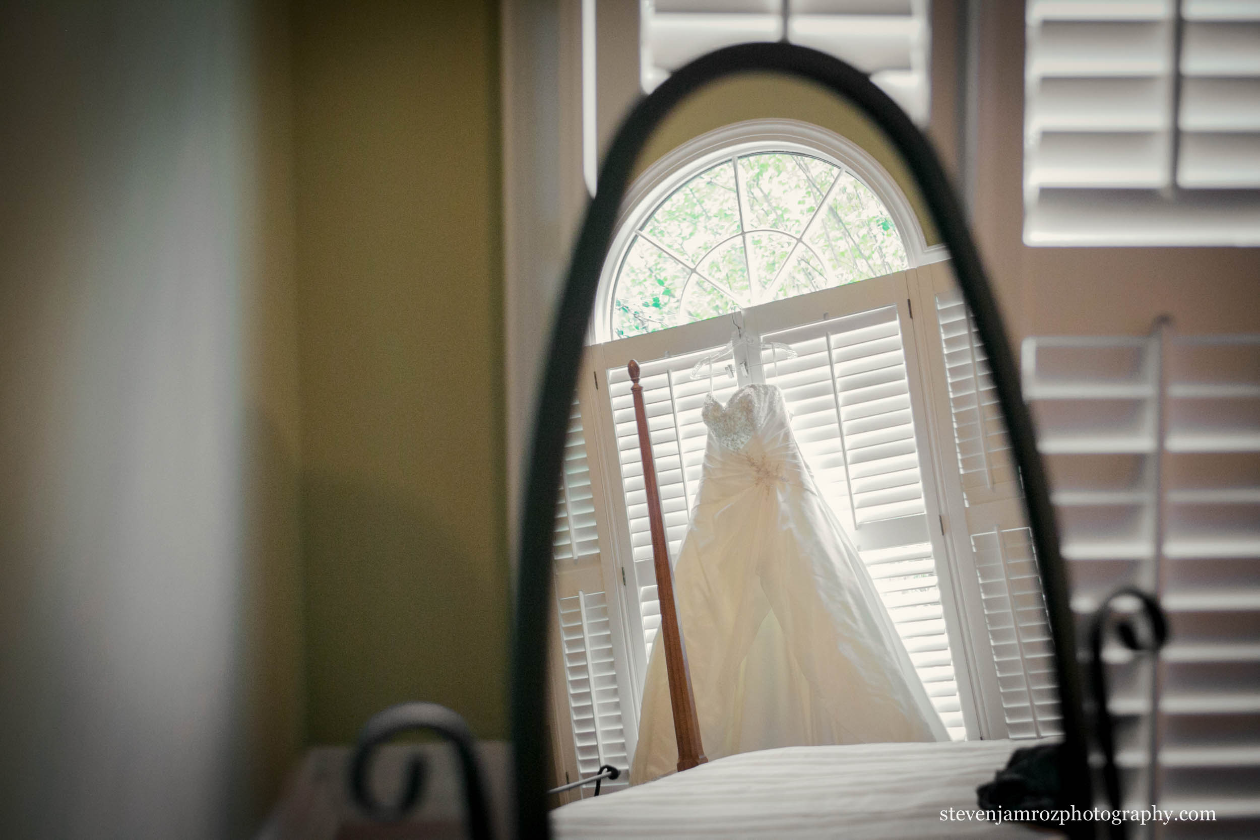 mirror-dress-hanging-wedding-raleigh-steven-jamroz-0700.jpg