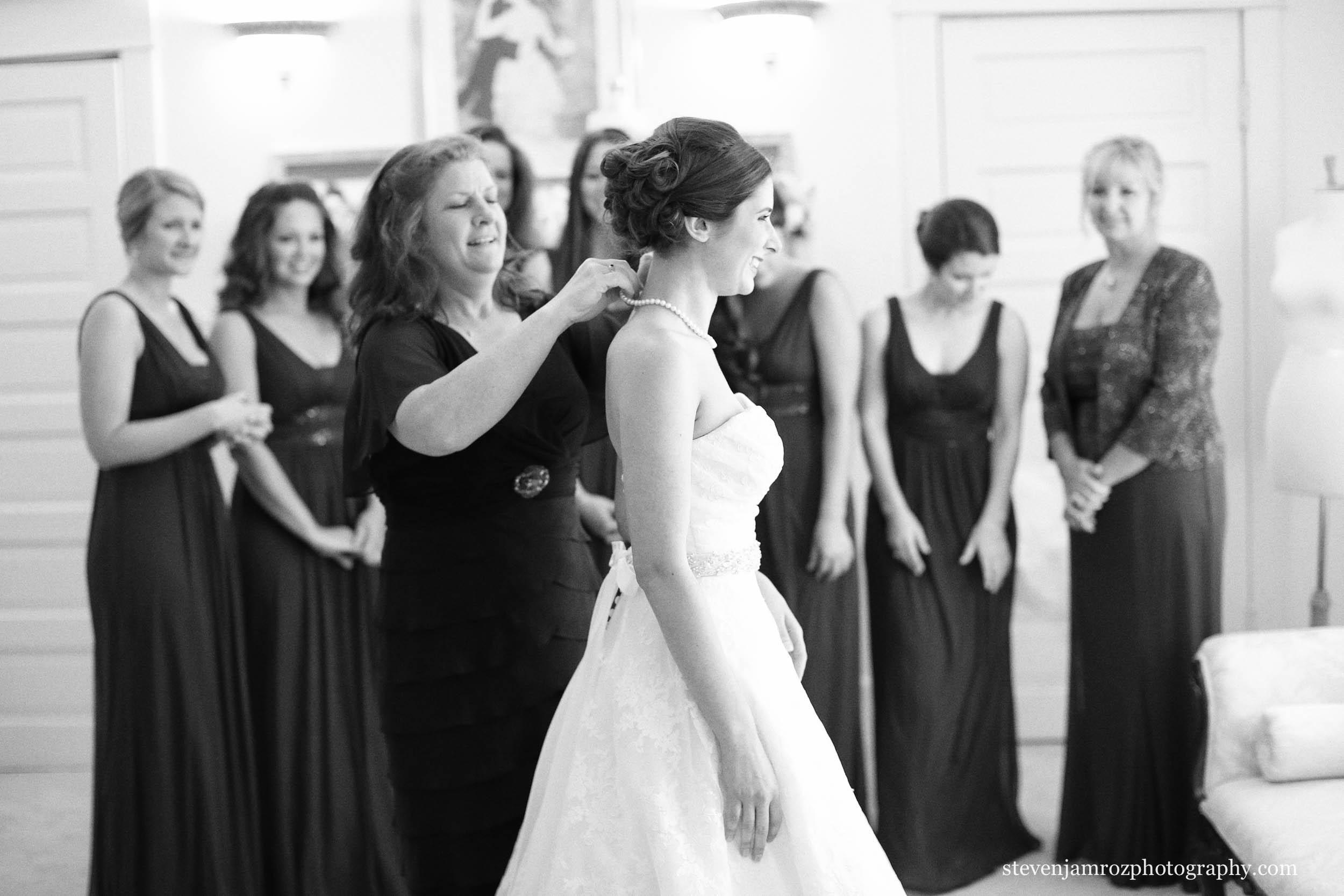 necklace-mom-wedding-the-hudson-manor-steven-jamroz-0662.jpg