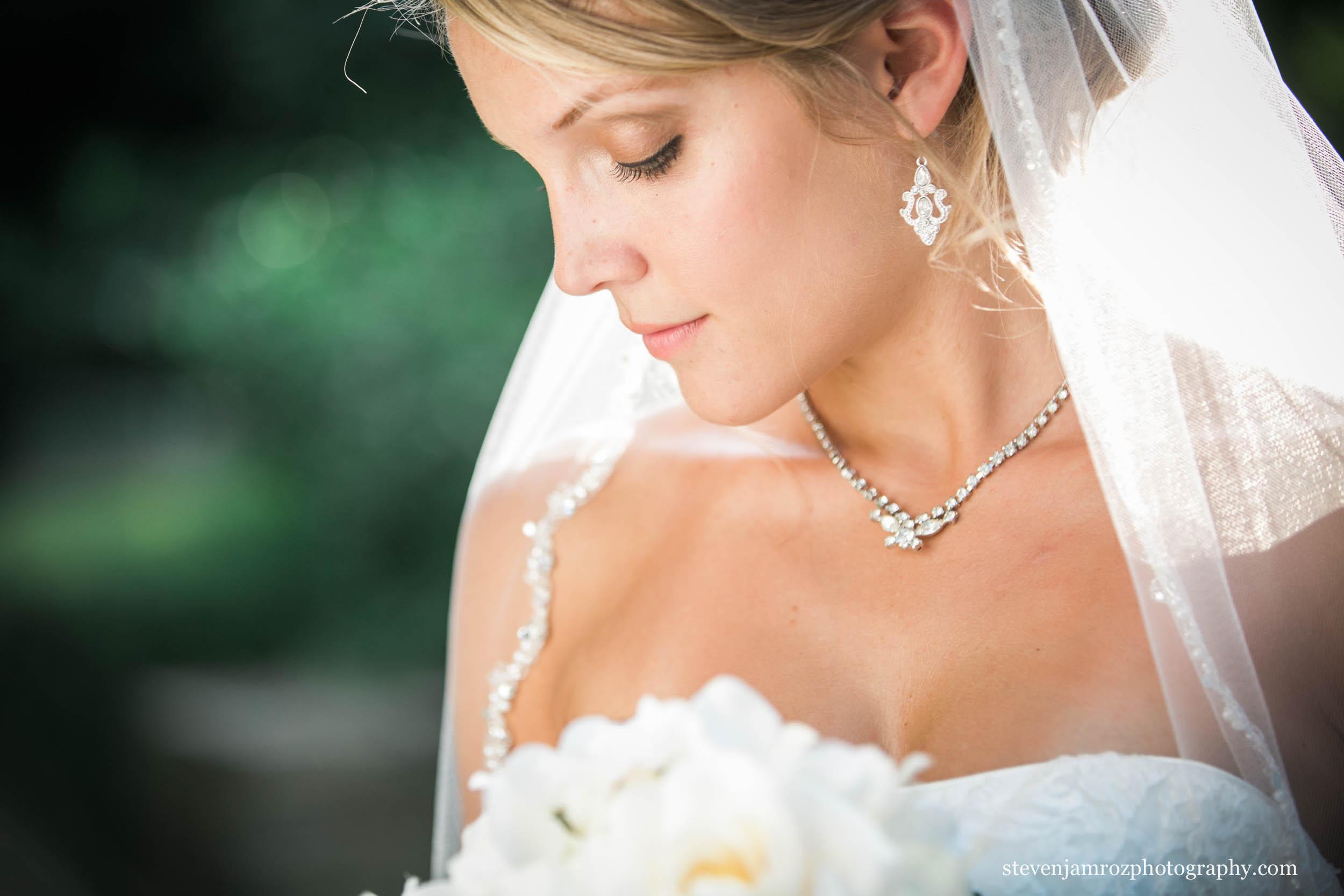 necklace-raleigh-jewlers-wedding-steven-jamroz-photography-0322.jpg