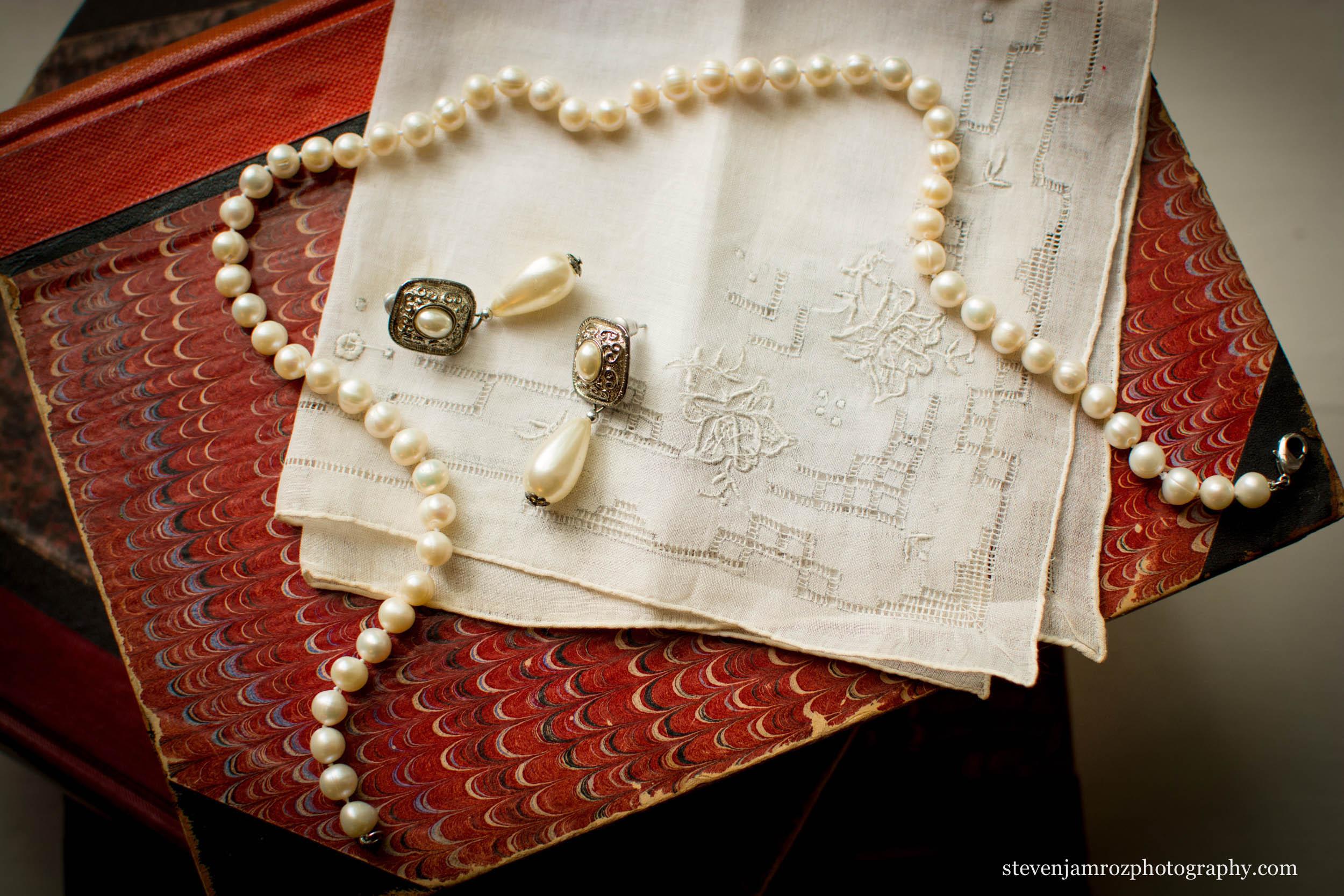 necklace-wedding-raleigh-steven-jamroz-photography-0577.jpg