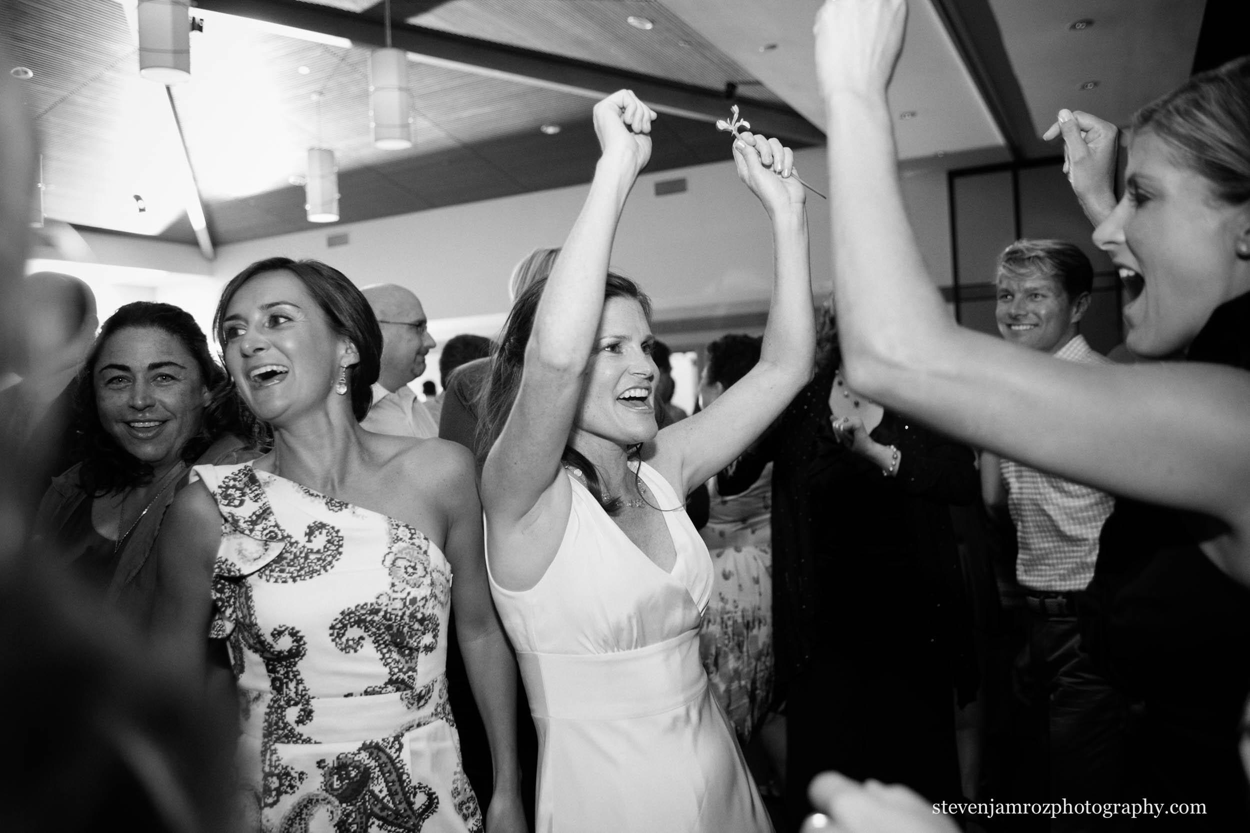 party-wedding-dancing-photographers-steven-jamroz-photography-0101.jpg