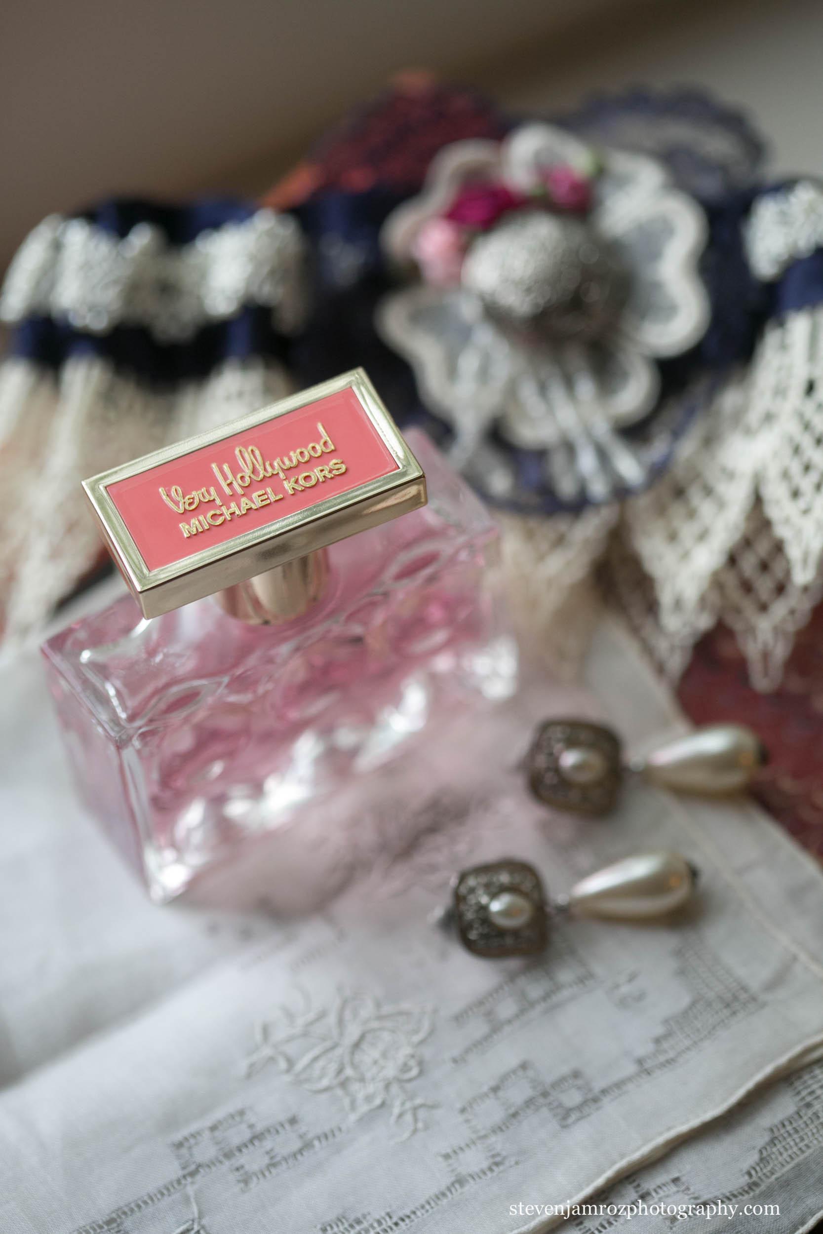 perfume-ear-rings-wedding-steven-jamroz-photography-0538.jpg