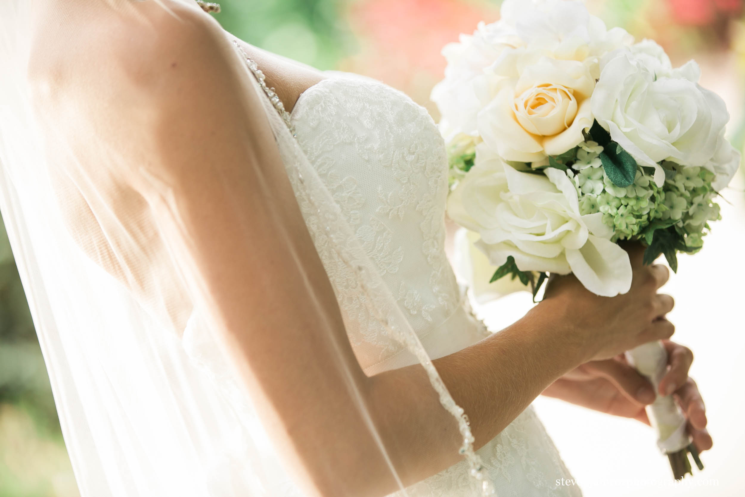 pretty-bouquet-flowers-wedding-steven-jamroz-photography-0211.jpg