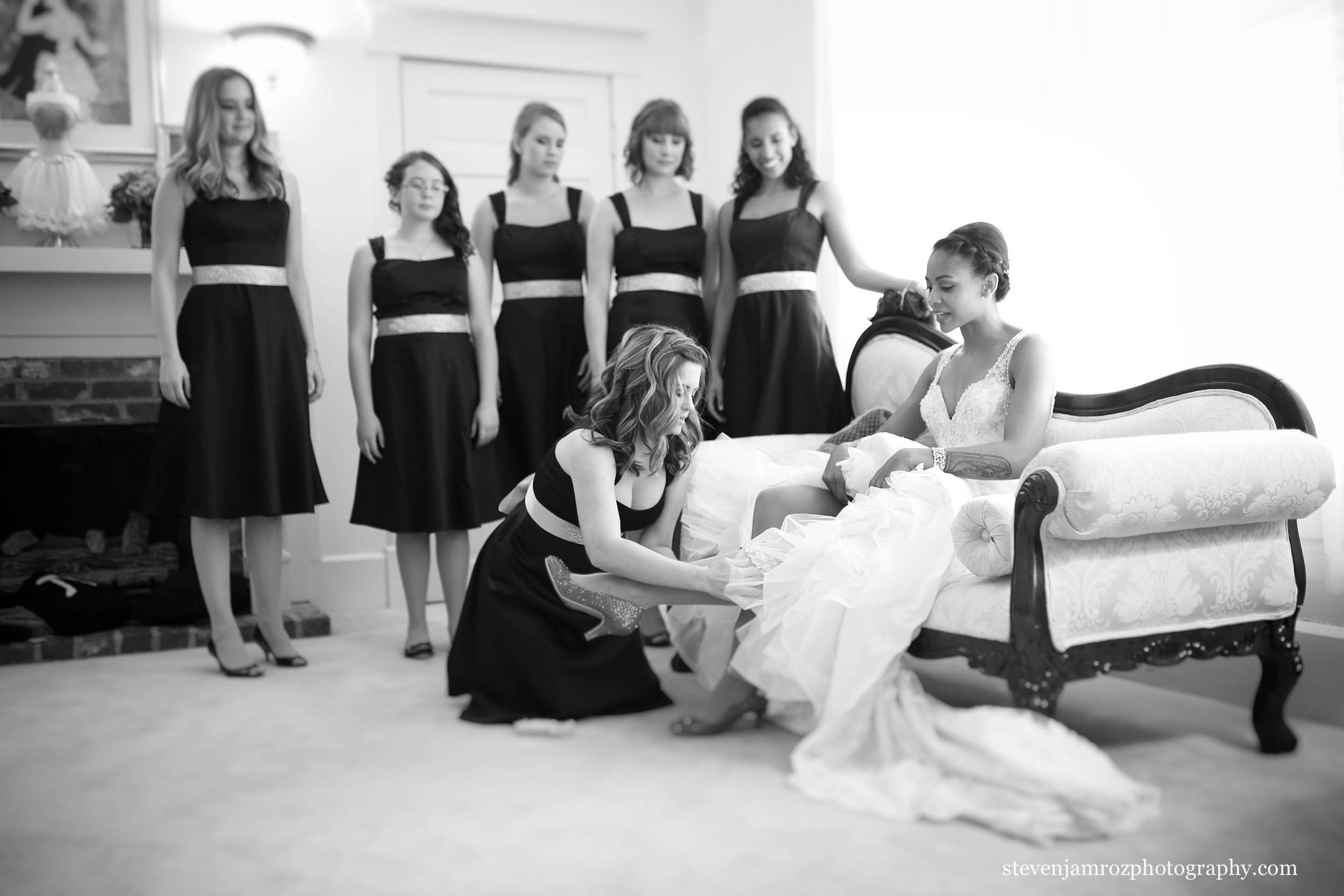 pretty-bridesmaids-and-bride-hudson-manor-steven-jamroz-photography-0260.jpg