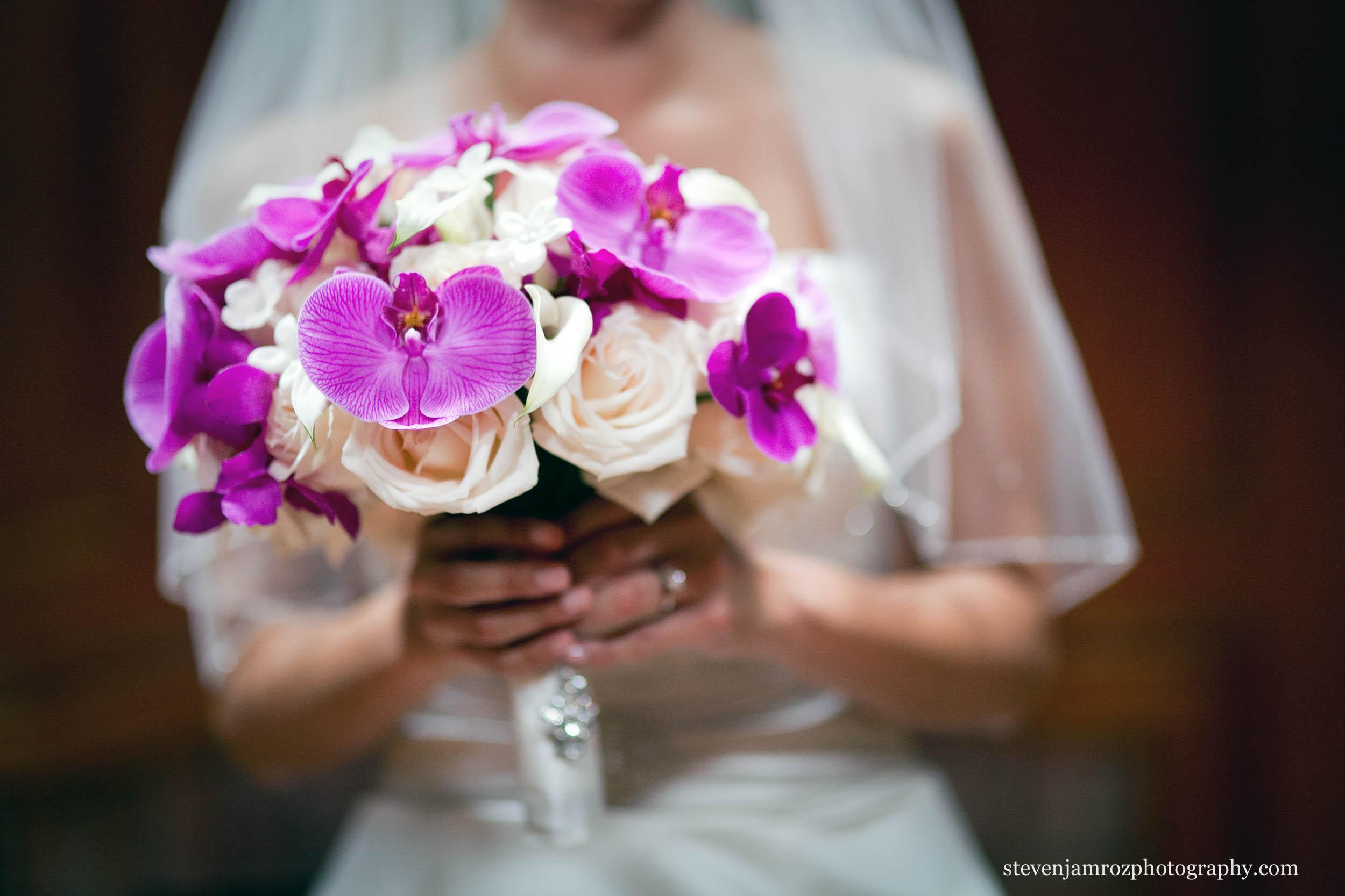 purple-flower-bouquet-chapel-hill-nc-steven-jamroz-photography-0409.jpg