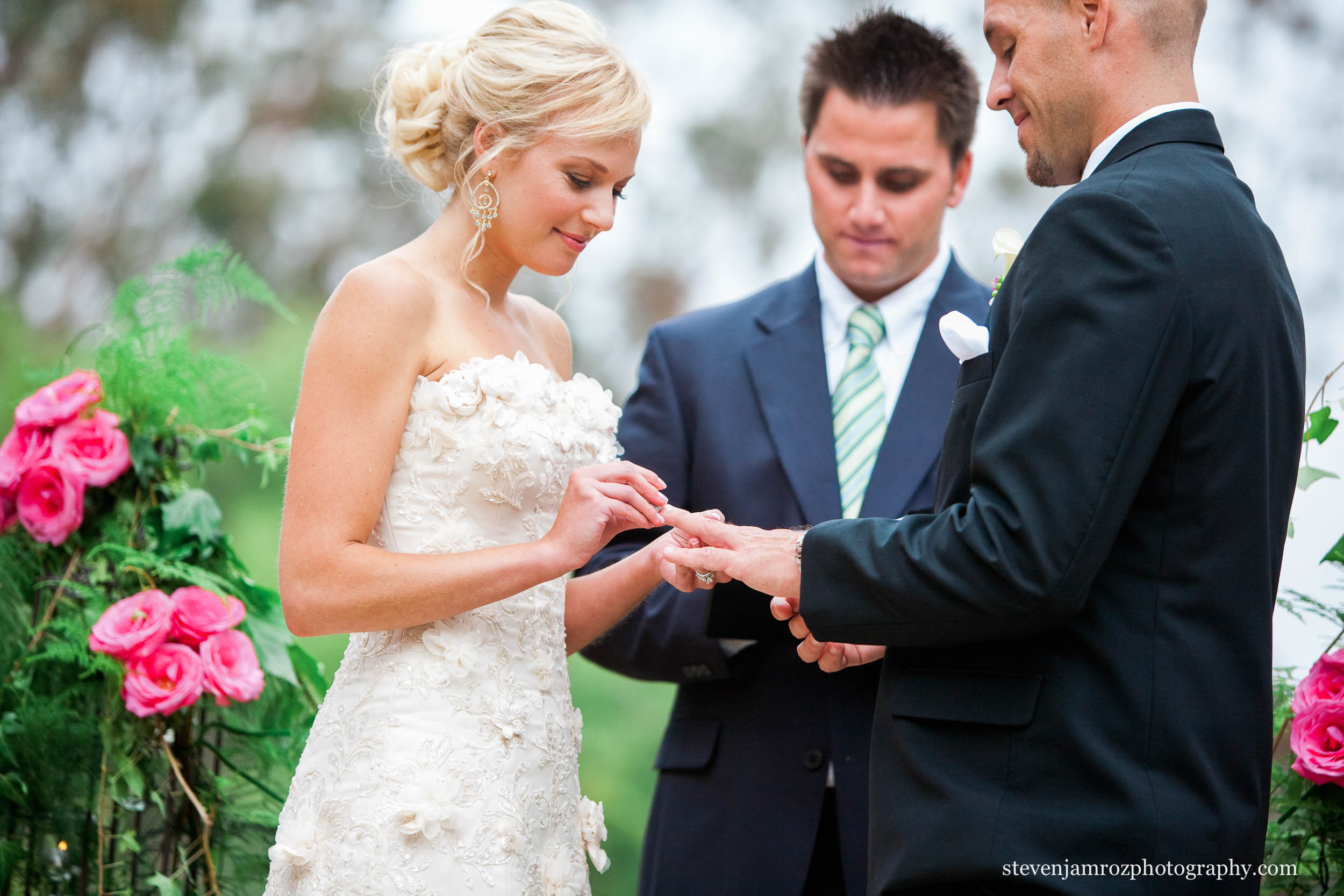 put-on-rings-raleigh-wedding-photographer-steven-jamroz-photography-0004.jpg