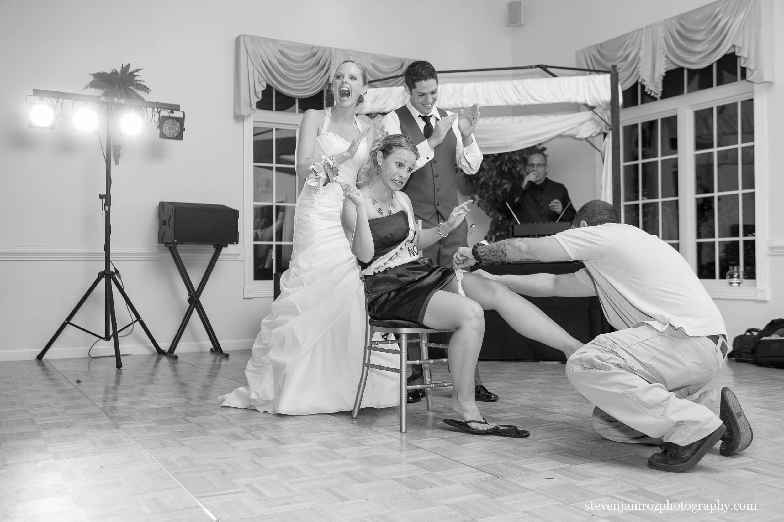 putting-garter-too-high-on-leg-for-comfort-photographer-steven-jamroz-0736.jpg