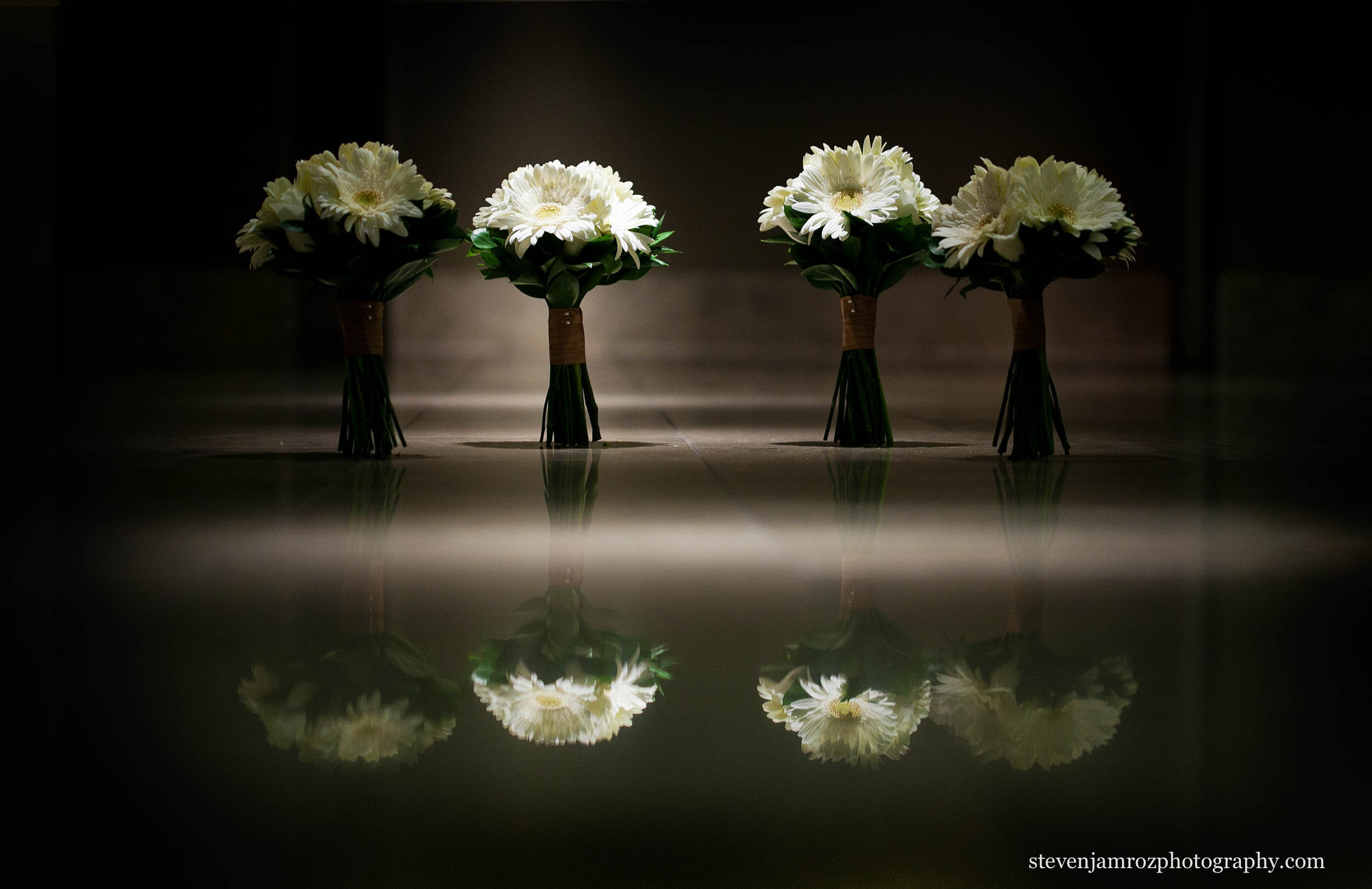 reflection-of-wedding-flowers-raleigh-photographer-0810.jpg