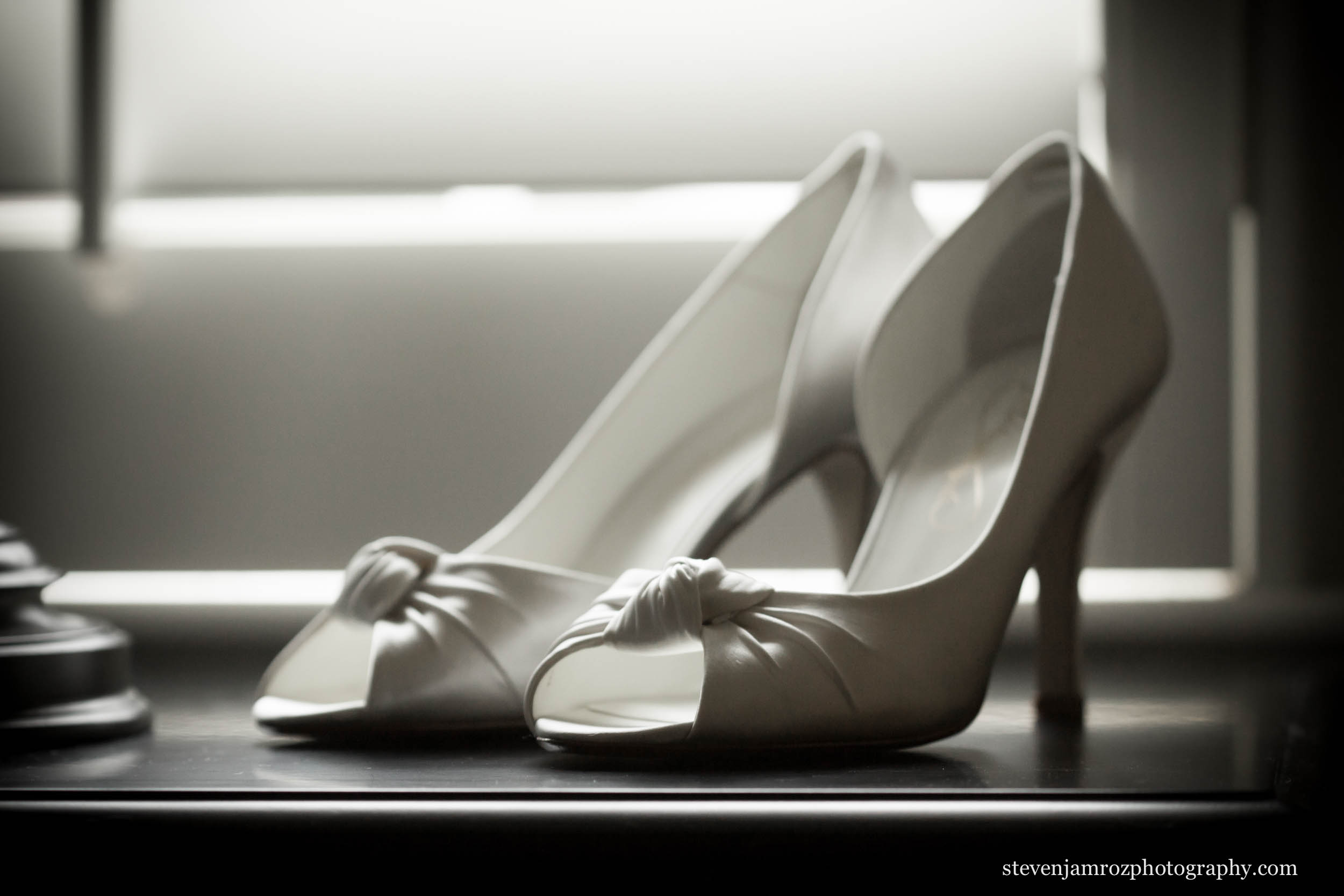 shoes-dress-raleigh-nc-wedding photographer-steven-jamroz-0640.jpg