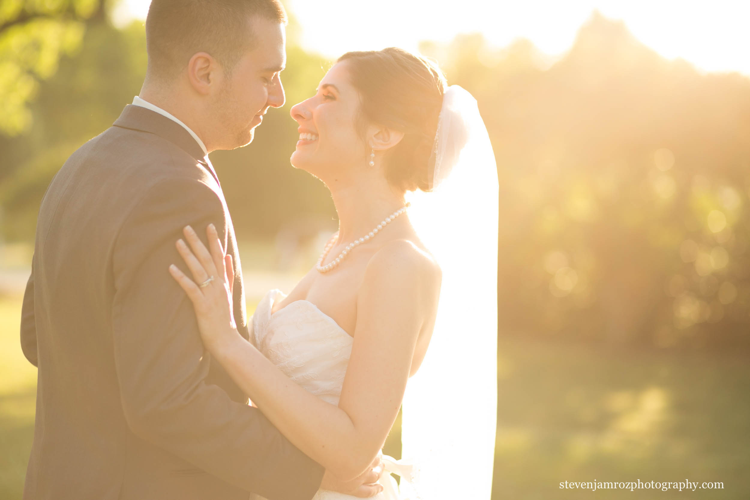 sunflare-portrait-bride-groom-wedding-raleigh-steven-jamroz-photography-0331.jpg