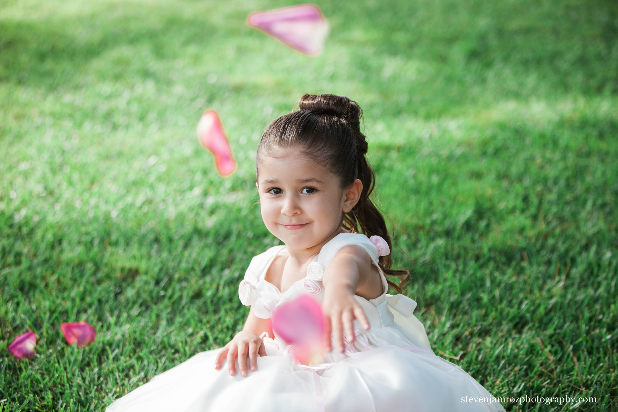 throwing-flowers-girl-wedding-raleigh-nc-steven-jamroz-photography-0130.jpg