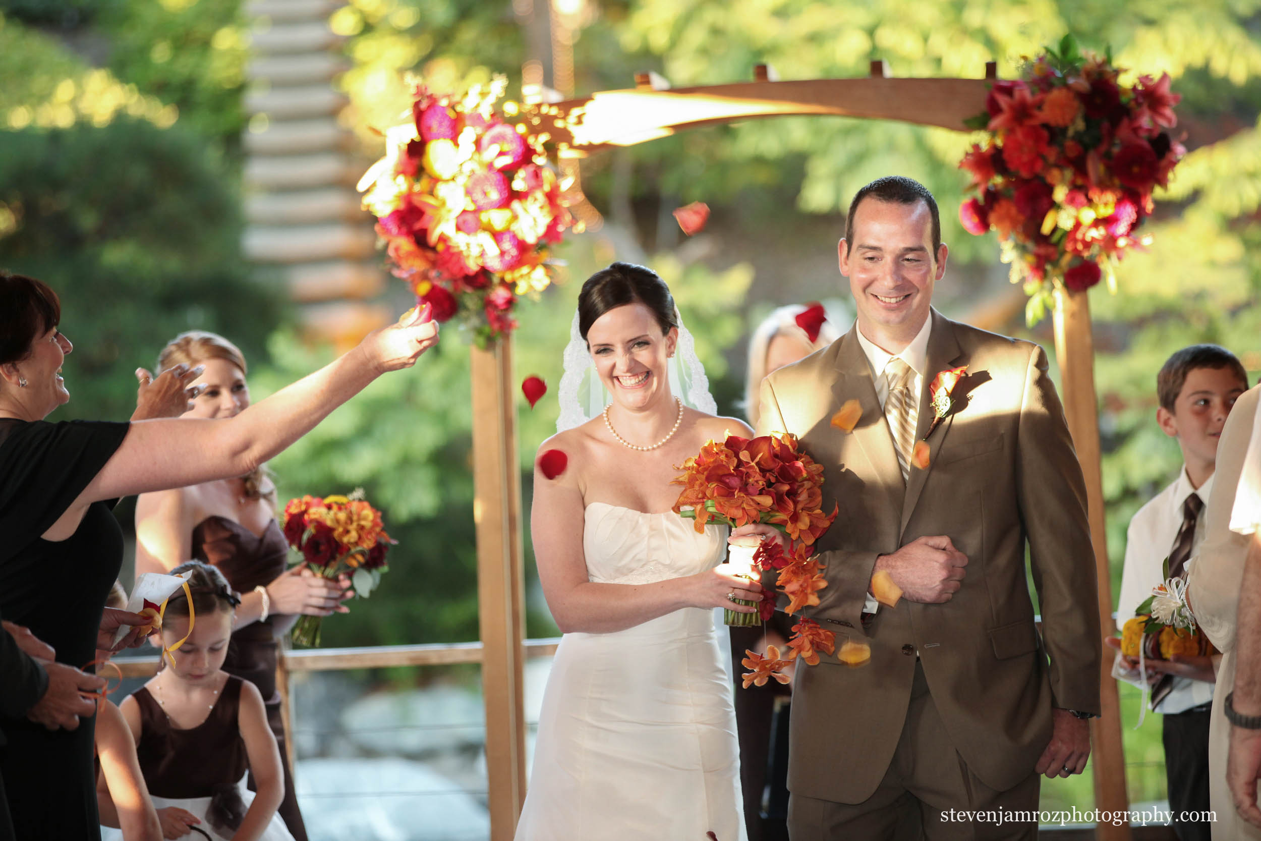 throwing-flowers-wedding-recessional-steven-jamroz-photography-0099.jpg
