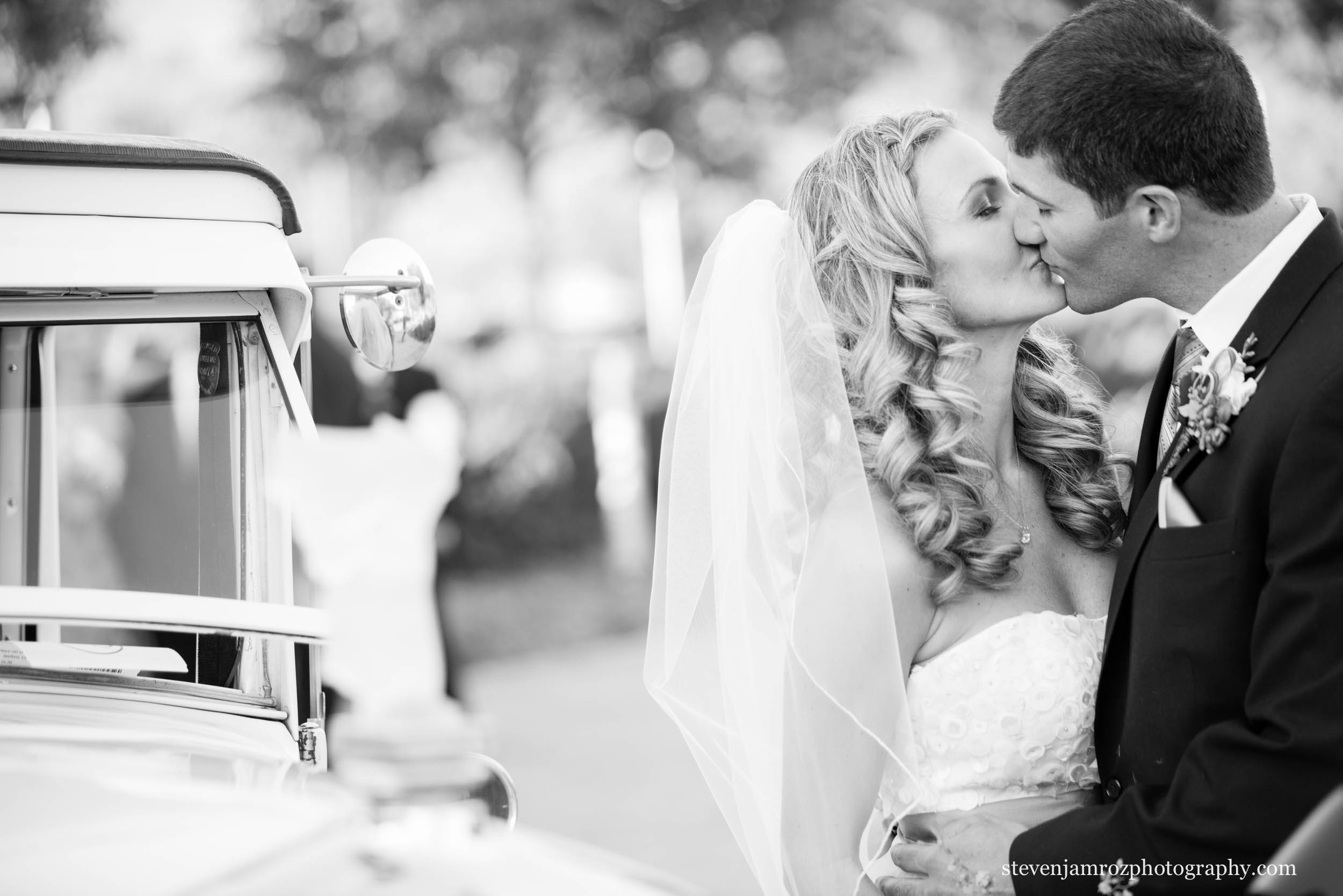 vintage-car-wedding-raleigh-nc-steven-jamroz-photography-0135.jpg