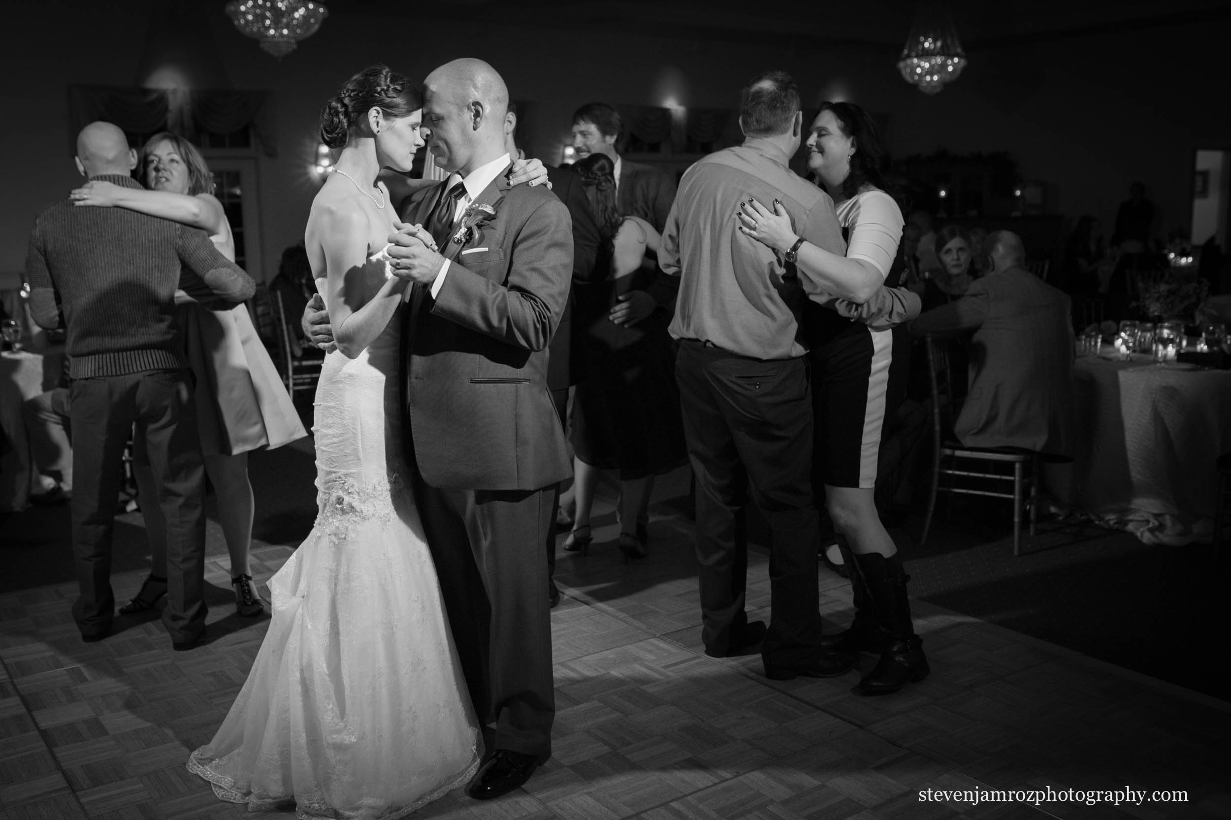 wedding-dance-bride-groom-hudson-manor-photography-0952.jpg