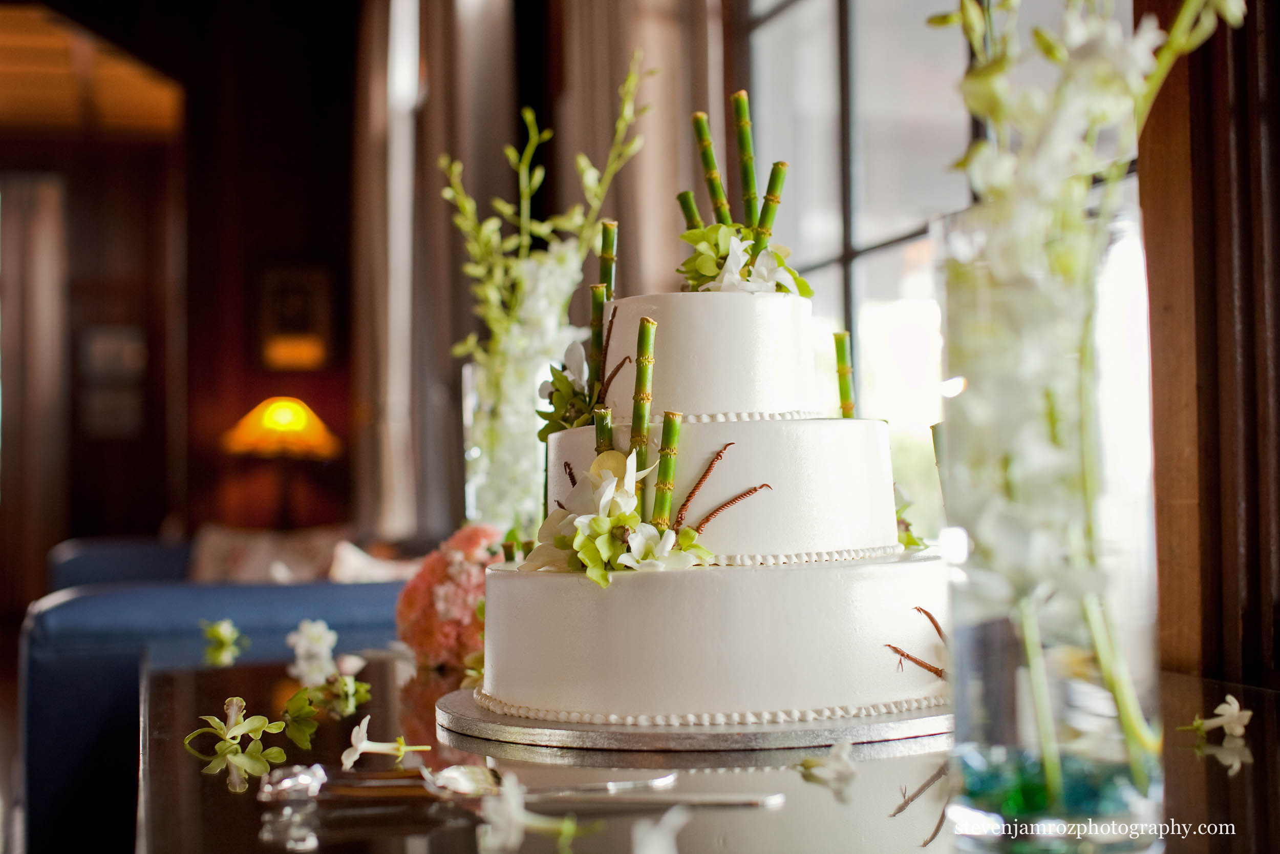 white-wedding-cake-raleigh-steven-jamroz-photography-0519.jpg