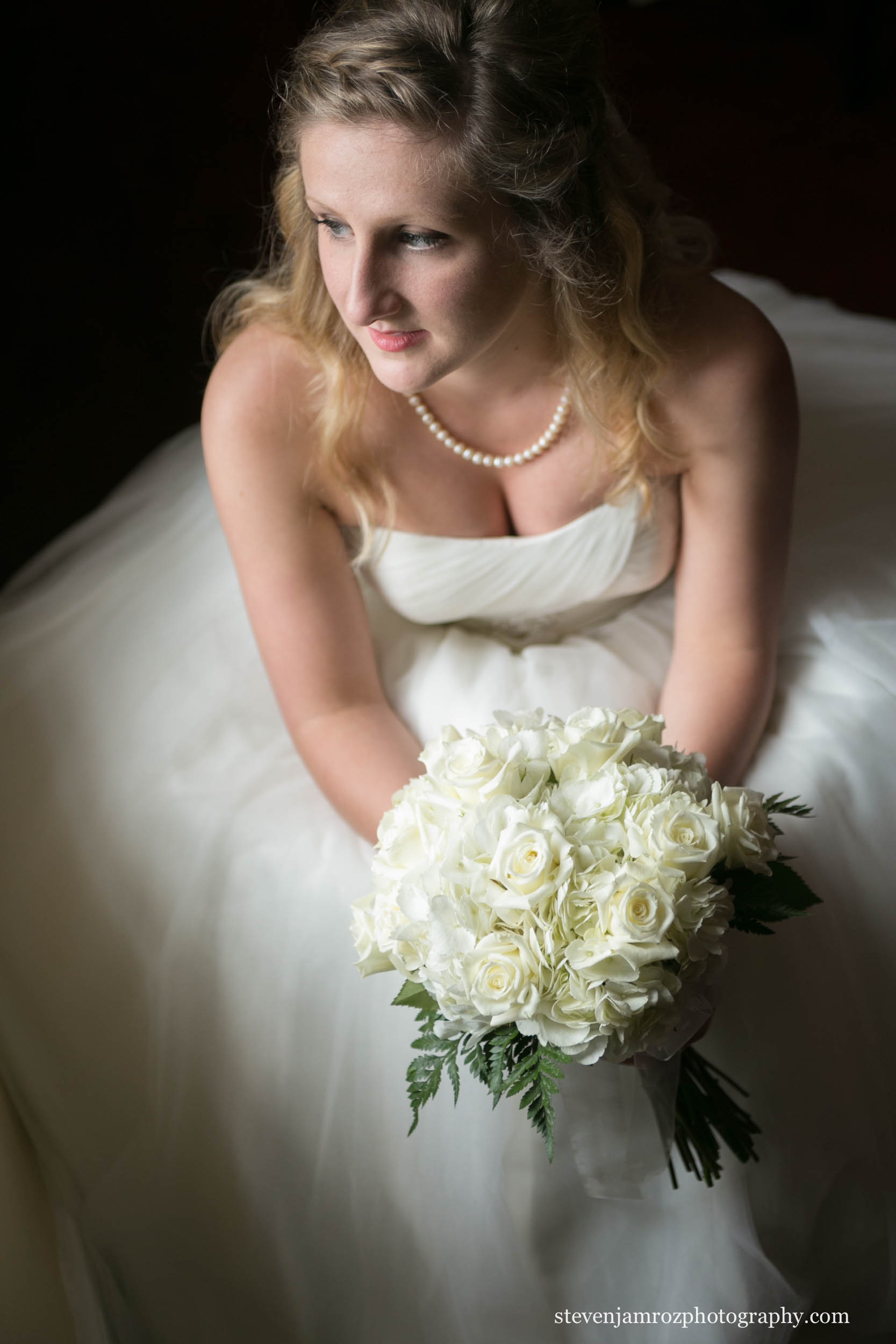 window-light-bride-portrait-peace-college-raleigh-0829.jpg