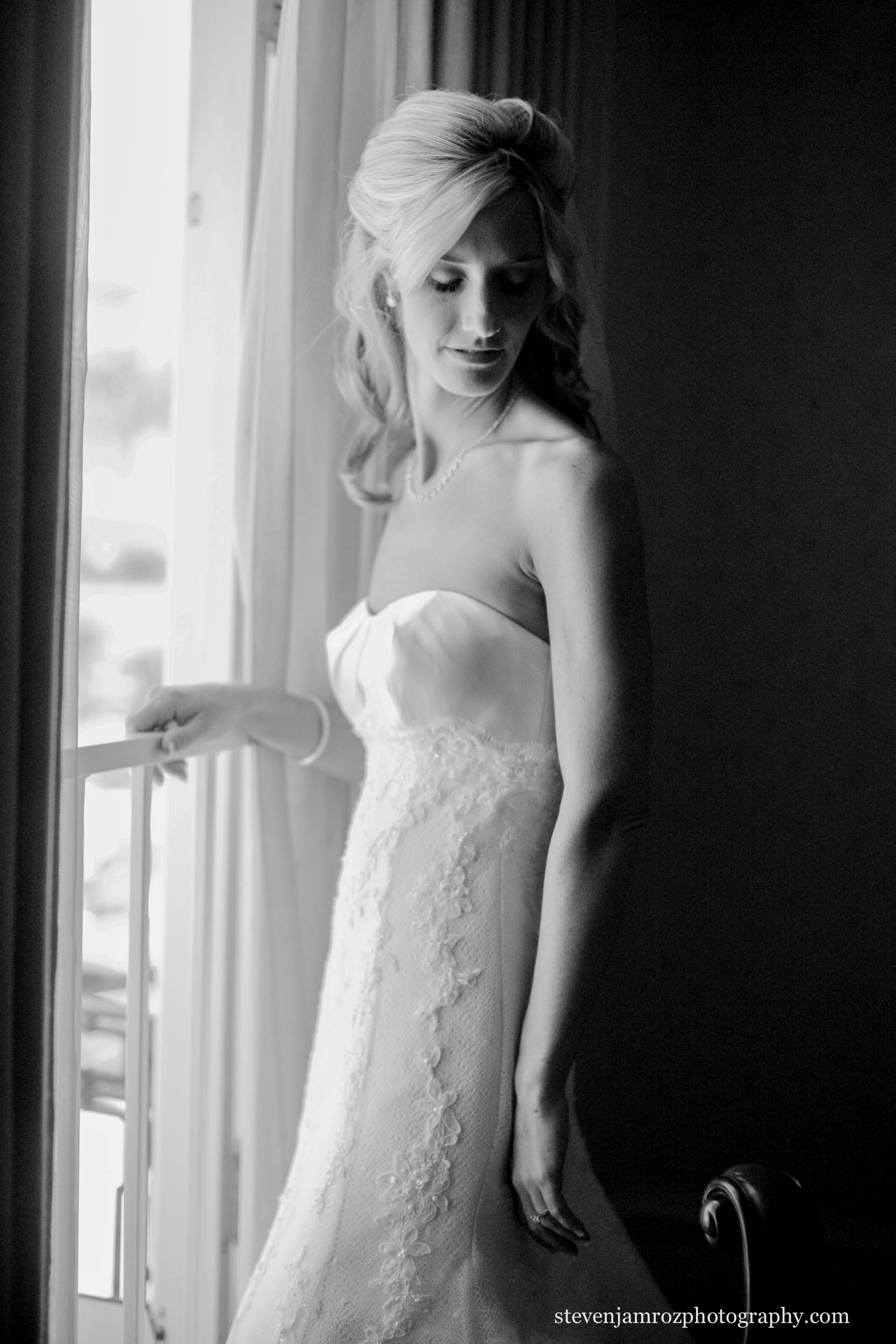 window-light-portrait-raleigh-wedding-nc-steven-jamroz-photography-0435.jpg