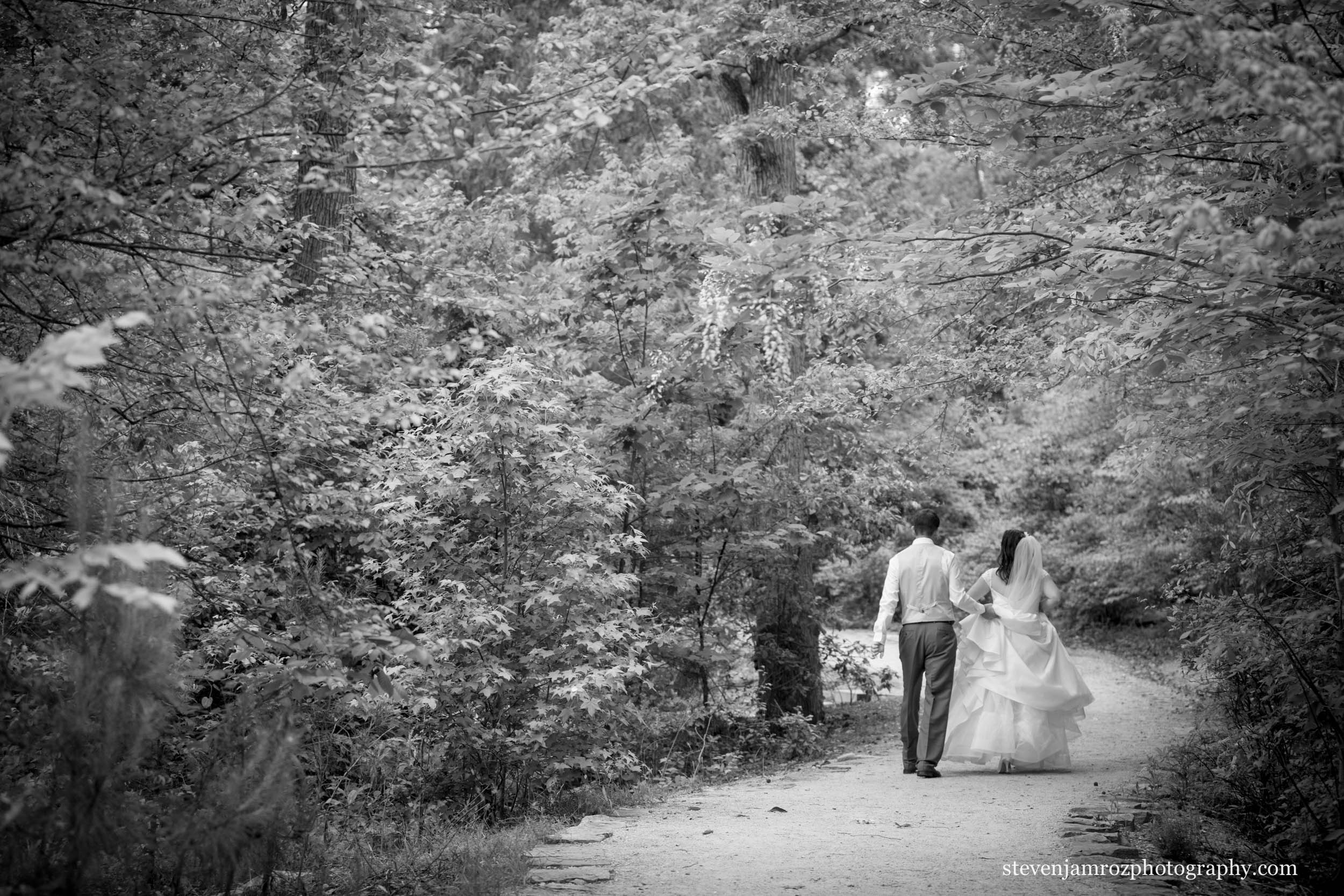 yates-mill-pond-wedding-raleigh-steven-jamroz-photography-0411.jpg