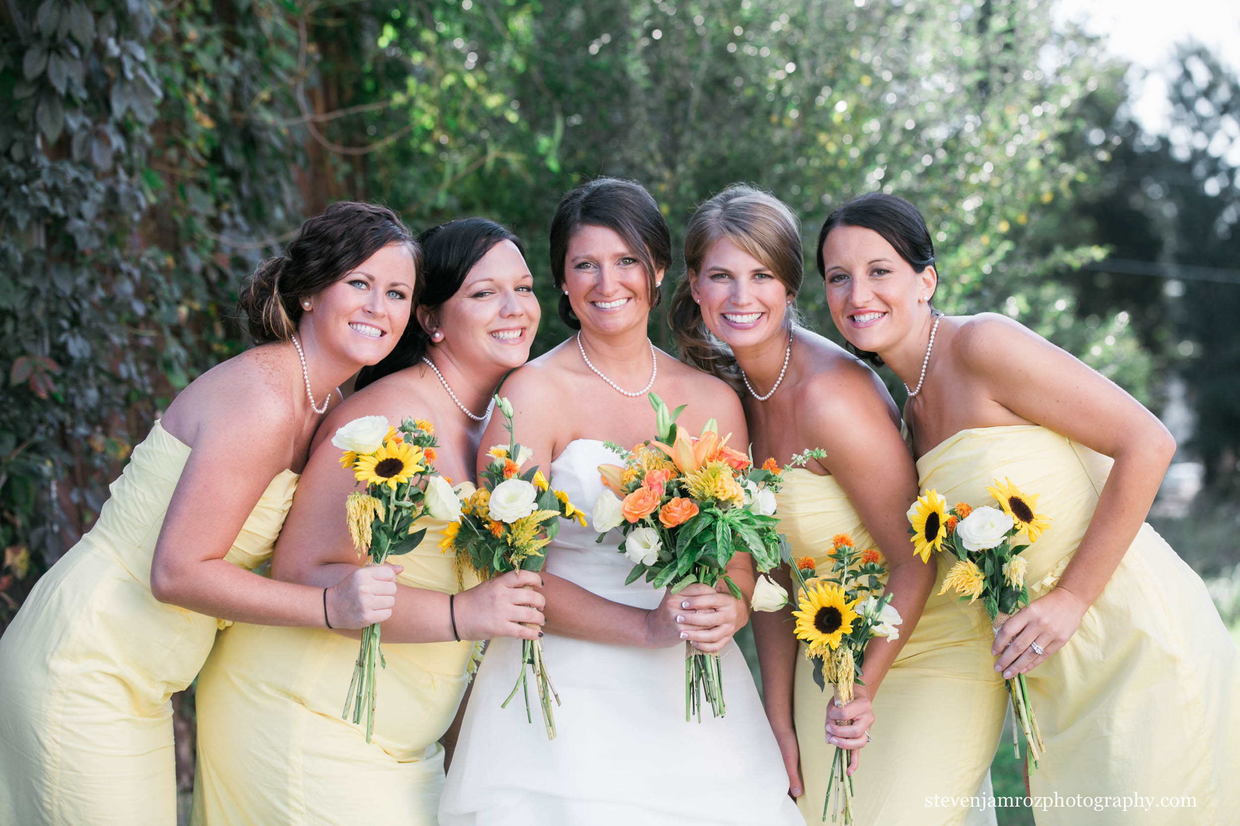 yellow-bridesmaid-dresses-steven-jamroz-photography-0167.jpg