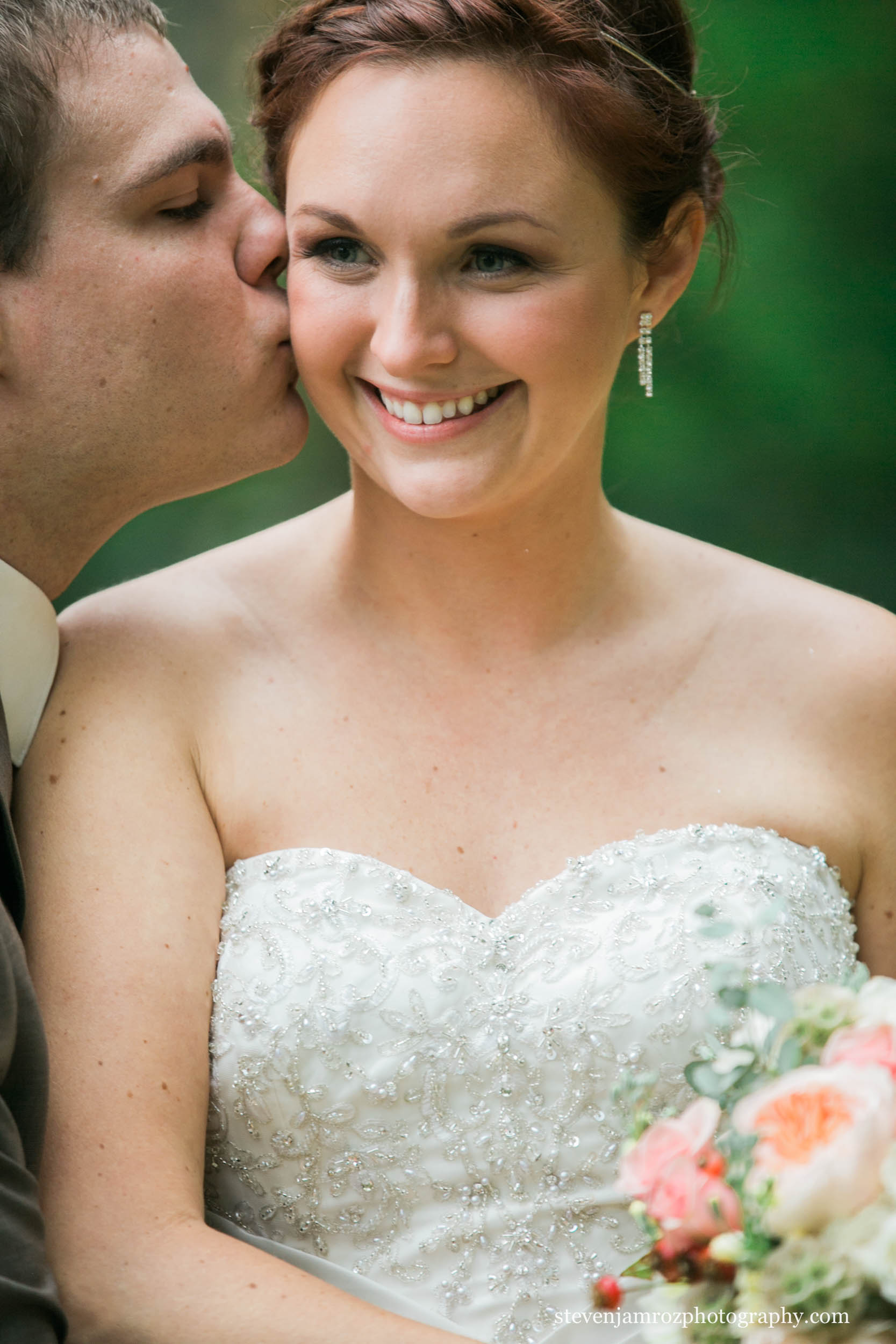 youngsville-nc-bride-groom-kiss-steven-jamroz-photography-0376.jpg