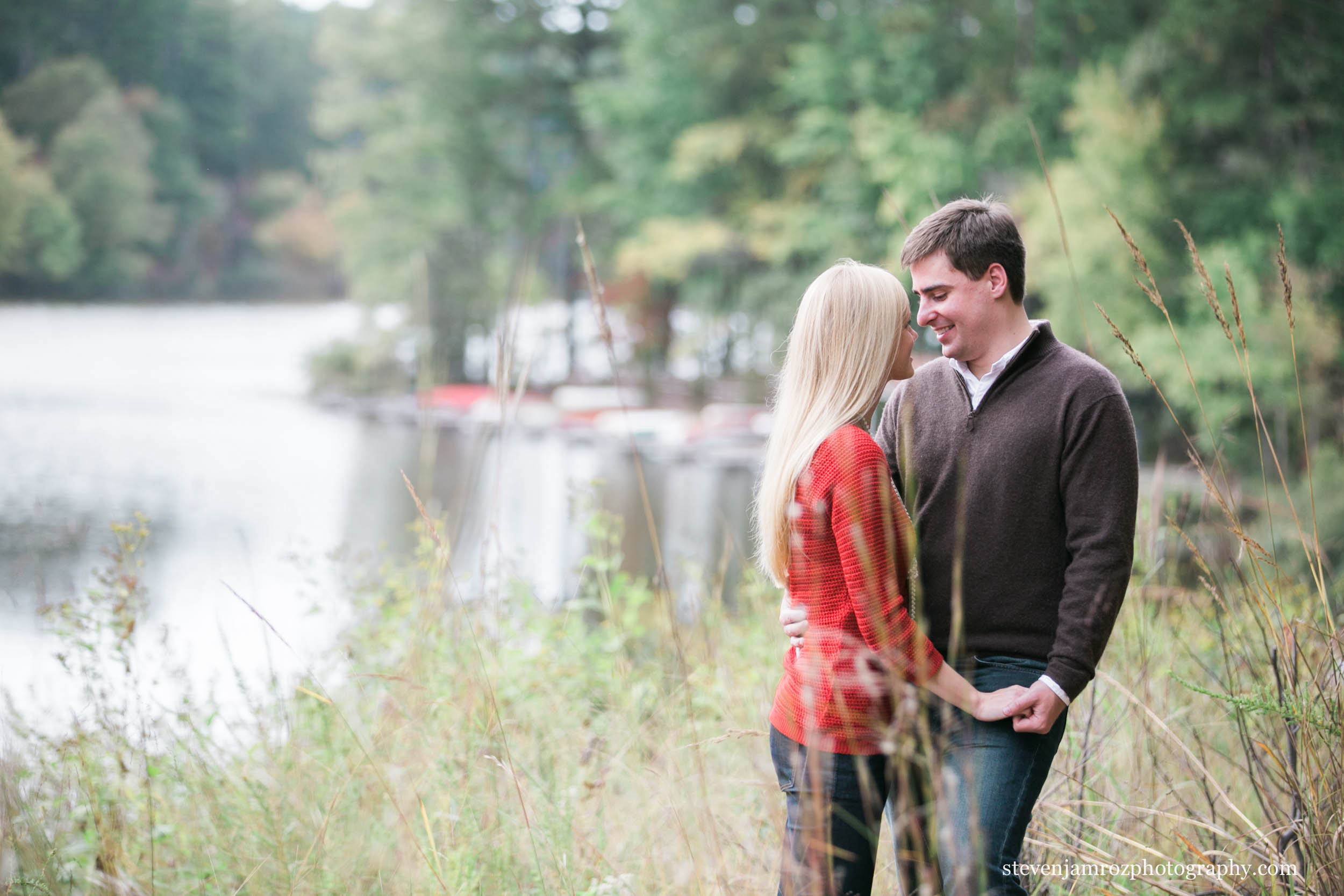 umstead-park-engagement-photos-natural-relaxed-steven-jamroz.jpg