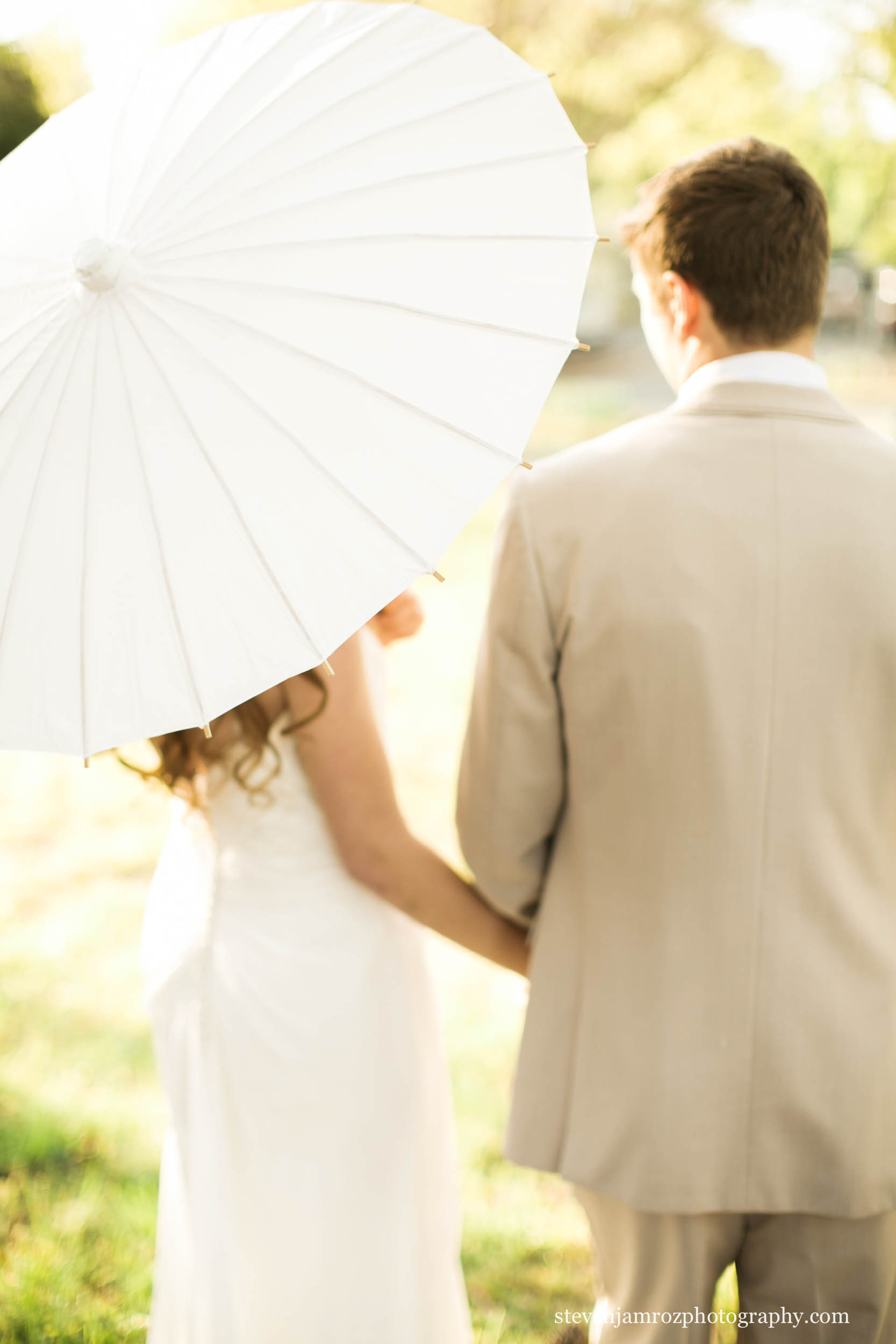 field-wedding-ceremony-cedar-grove-acres.jpg