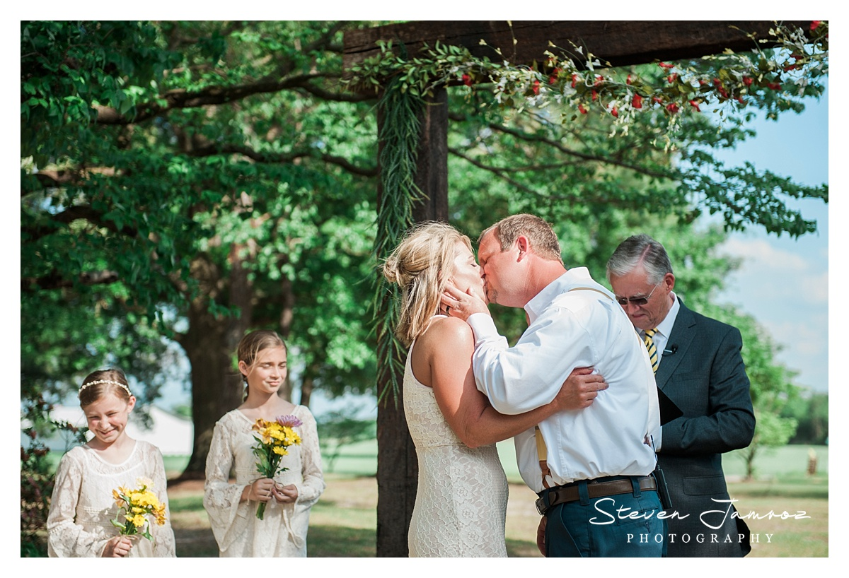 mount-olive-wedding-rustic-outdoor-steven-jamroz-photography-0974.jpg
