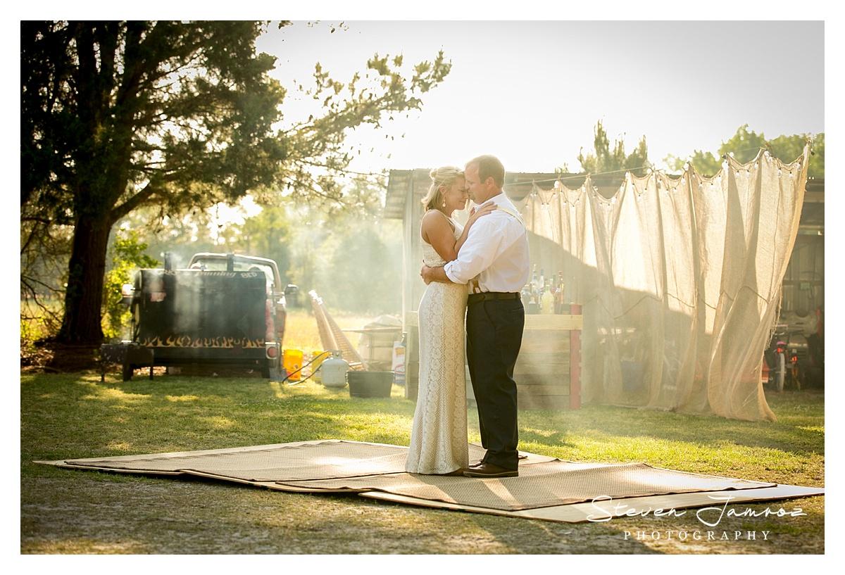 mount-olive-wedding-rustic-outdoor-steven-jamroz-photography-0995.jpg
