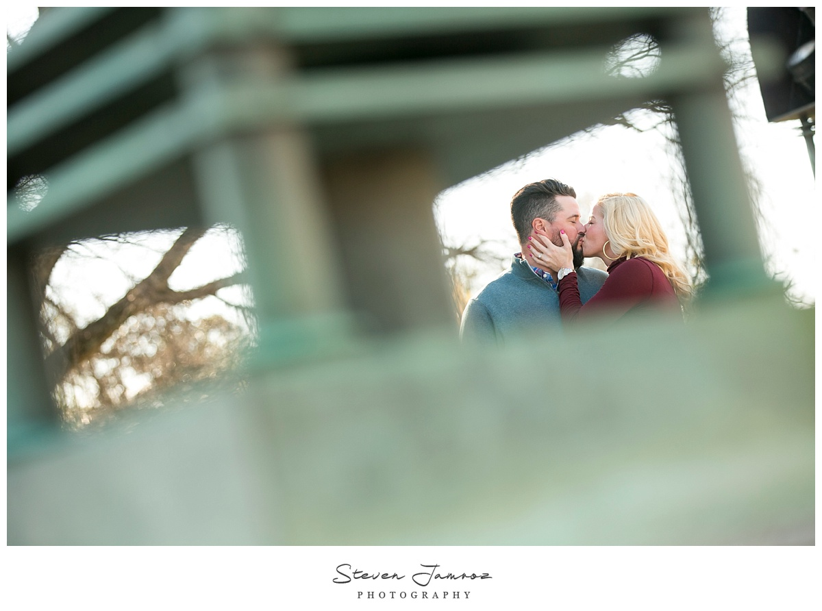 cute-raleigh-engagement-photos-steven-jamroz-0009.jpg