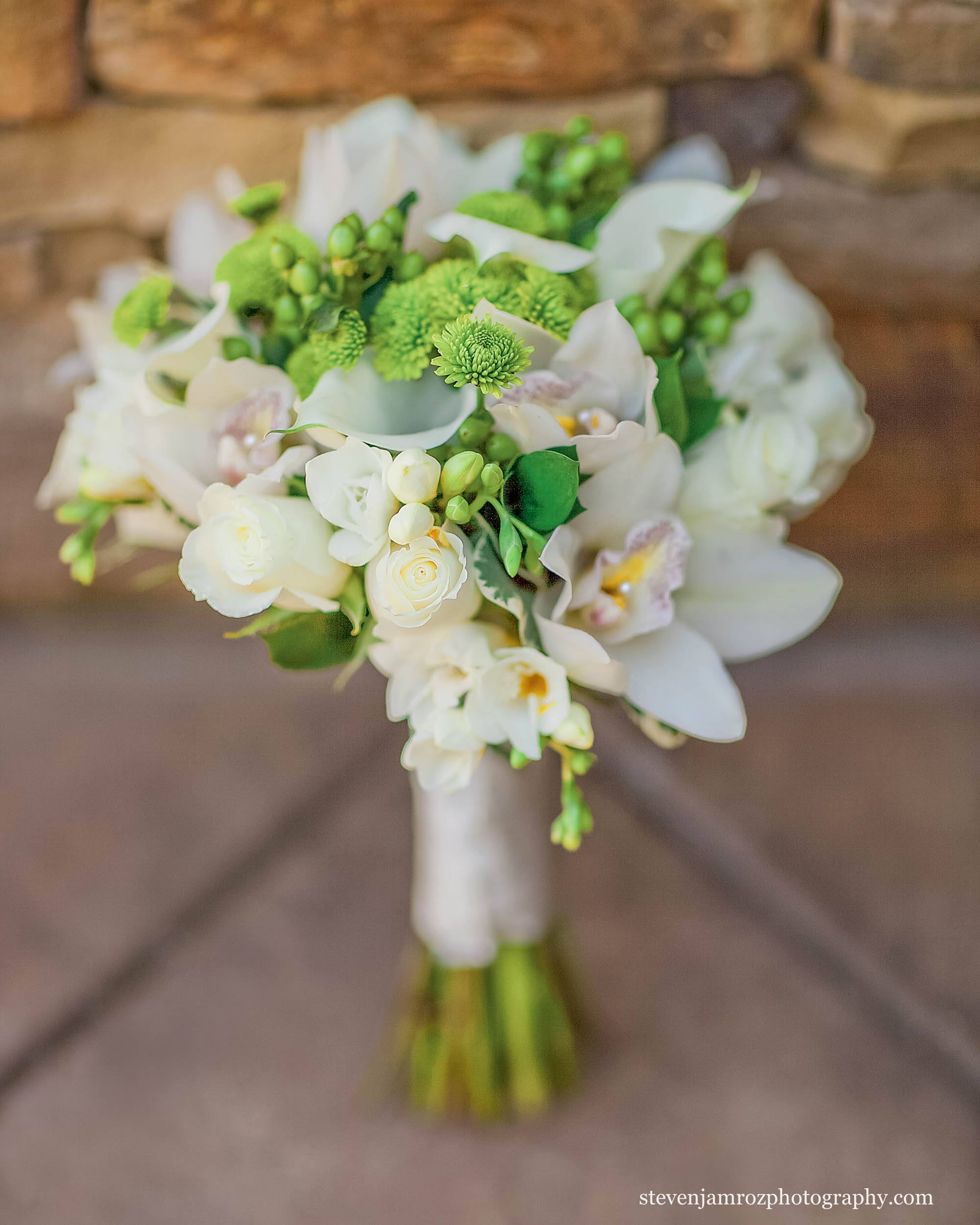 green-white-bouquet-flowers-wedding-raleigh.jpg