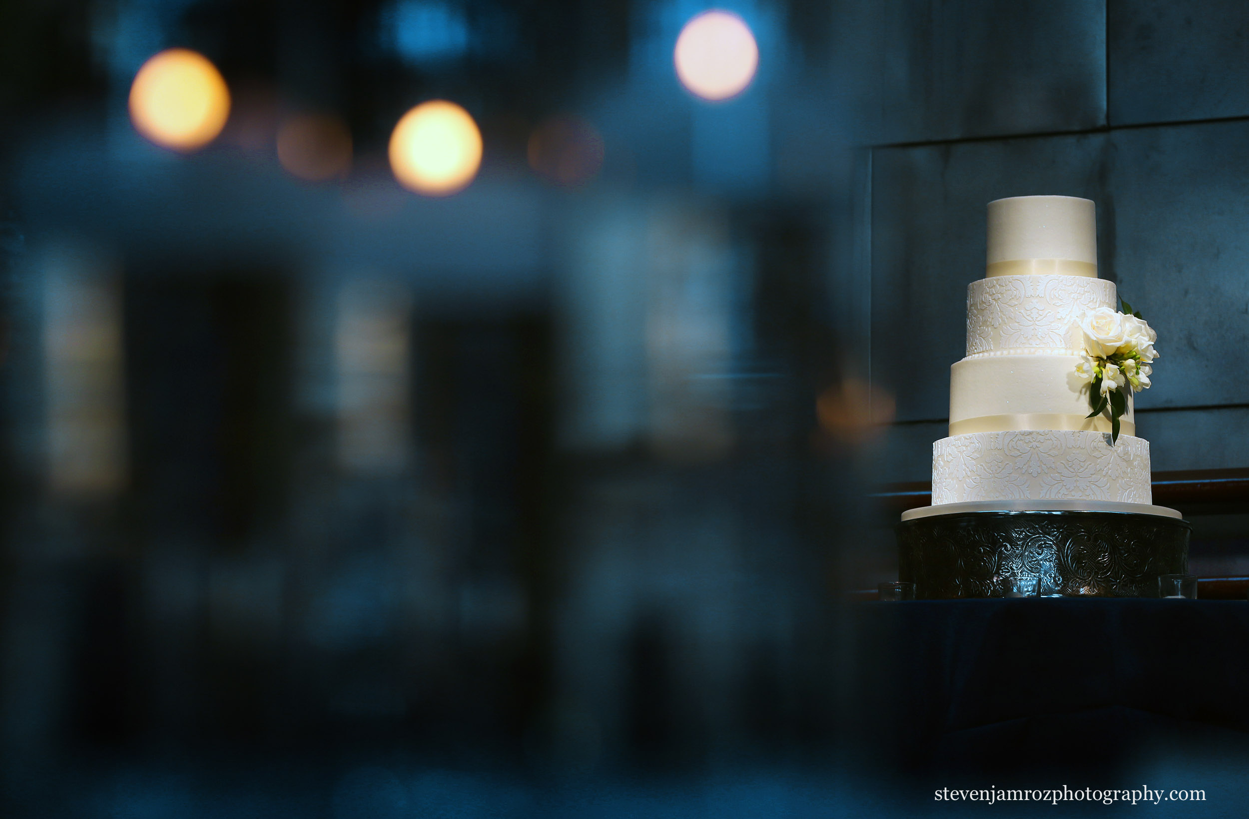 bay-7-wedding-cake-catering.jpg