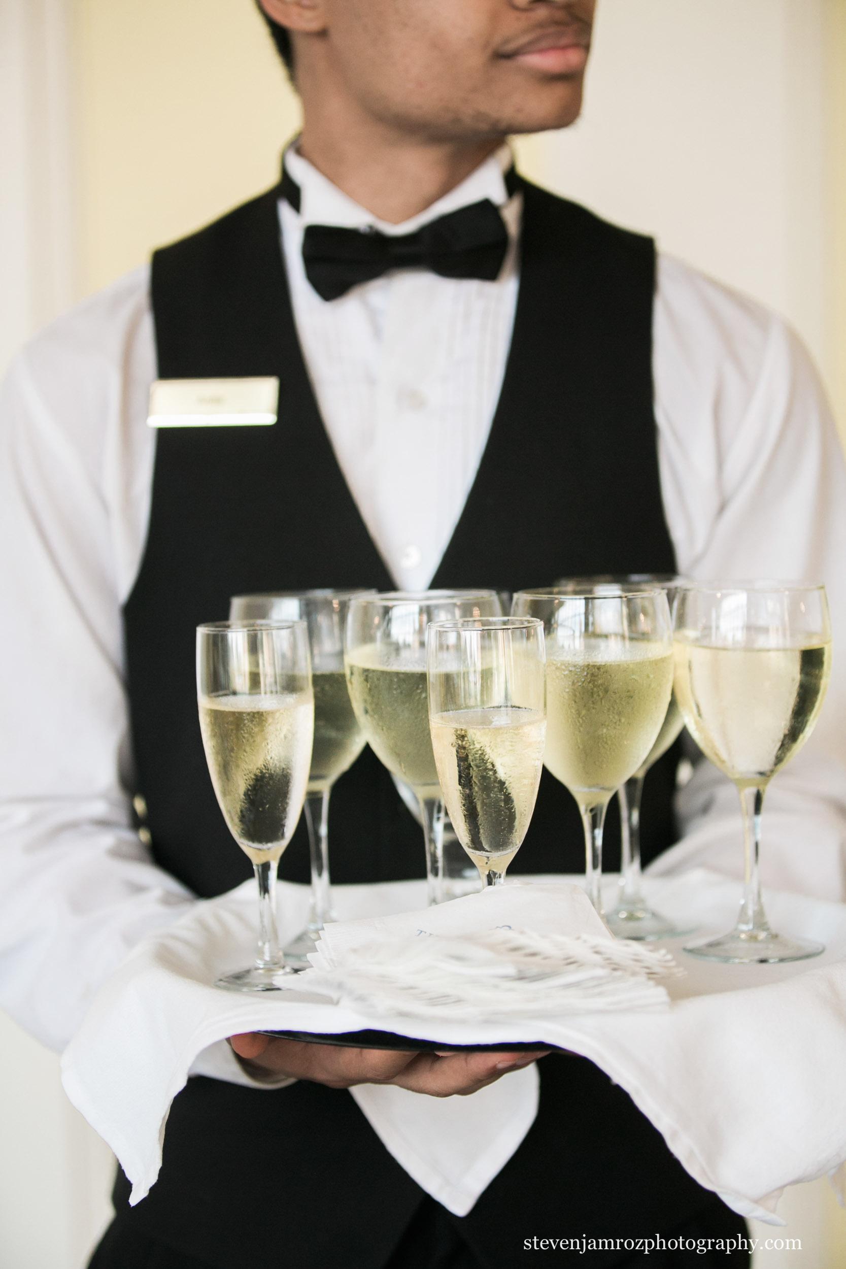 carolina-inn-champagne-wedding.jpg