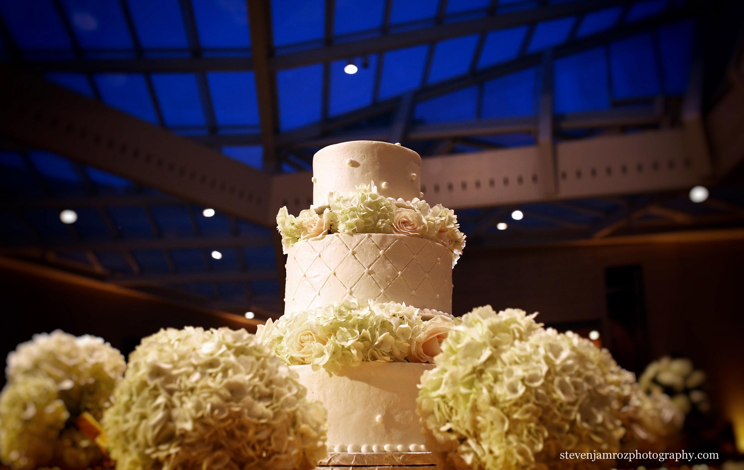 wedding-cake-nasher-museum-of-art-wedding.jpg