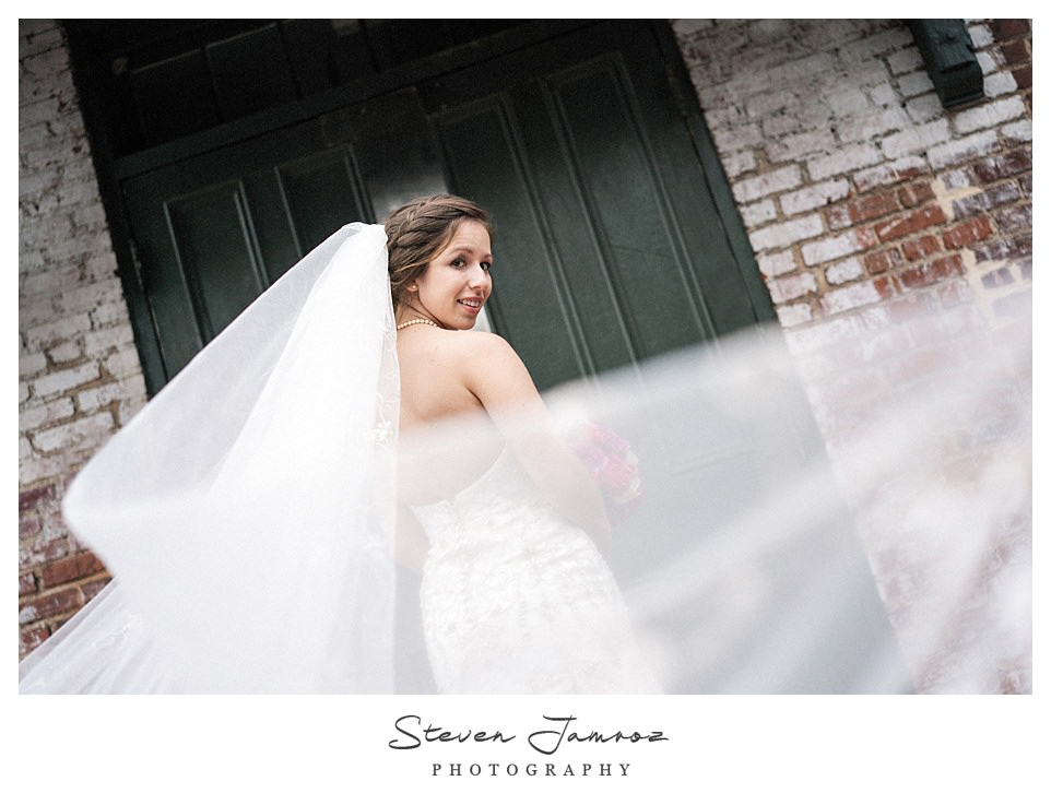 grace-bridal-photos-melrose-knitting-mill-0175.jpg