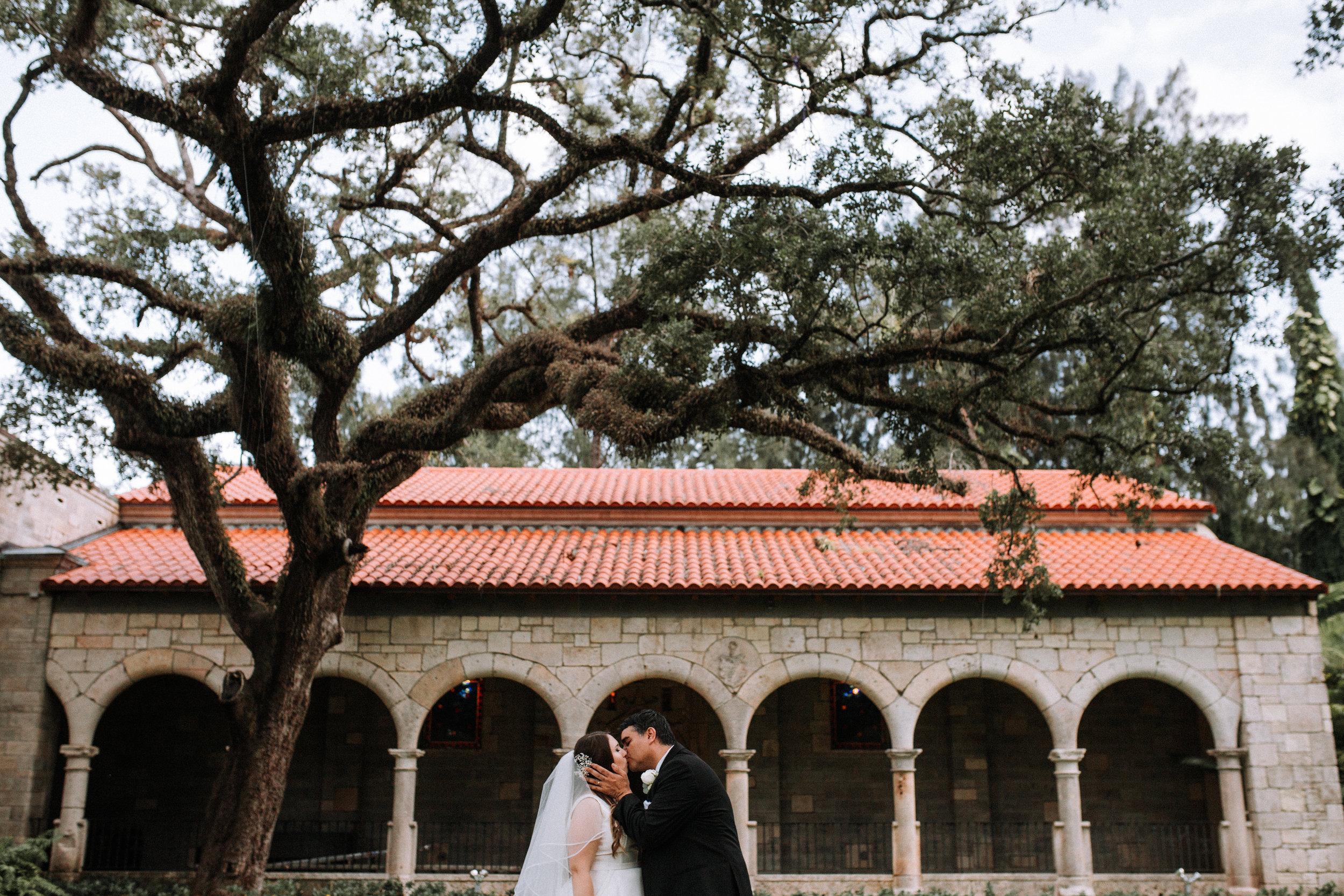 ancient-Spanish-Monastery-wedding-photography