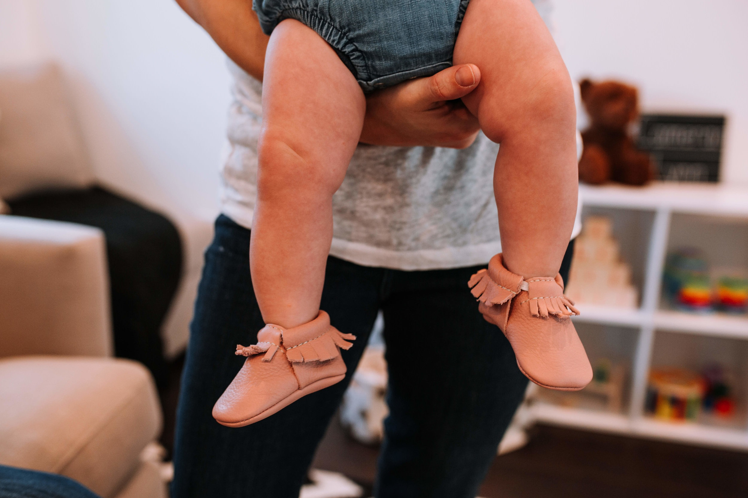 family-photography-cute-booties