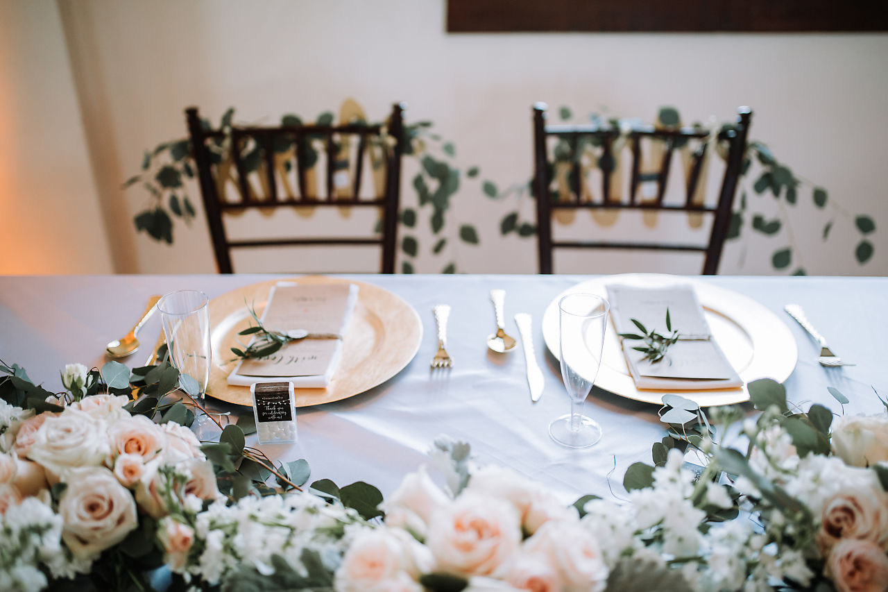 bride-and-groom-sweetheart-table-south-florida