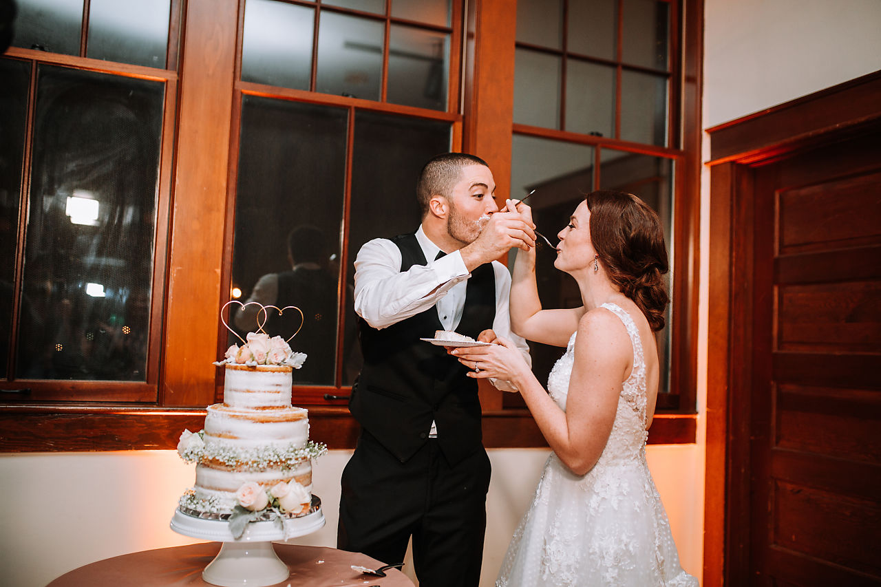 old-davie-schoolhouse-wedding-cake-cutting