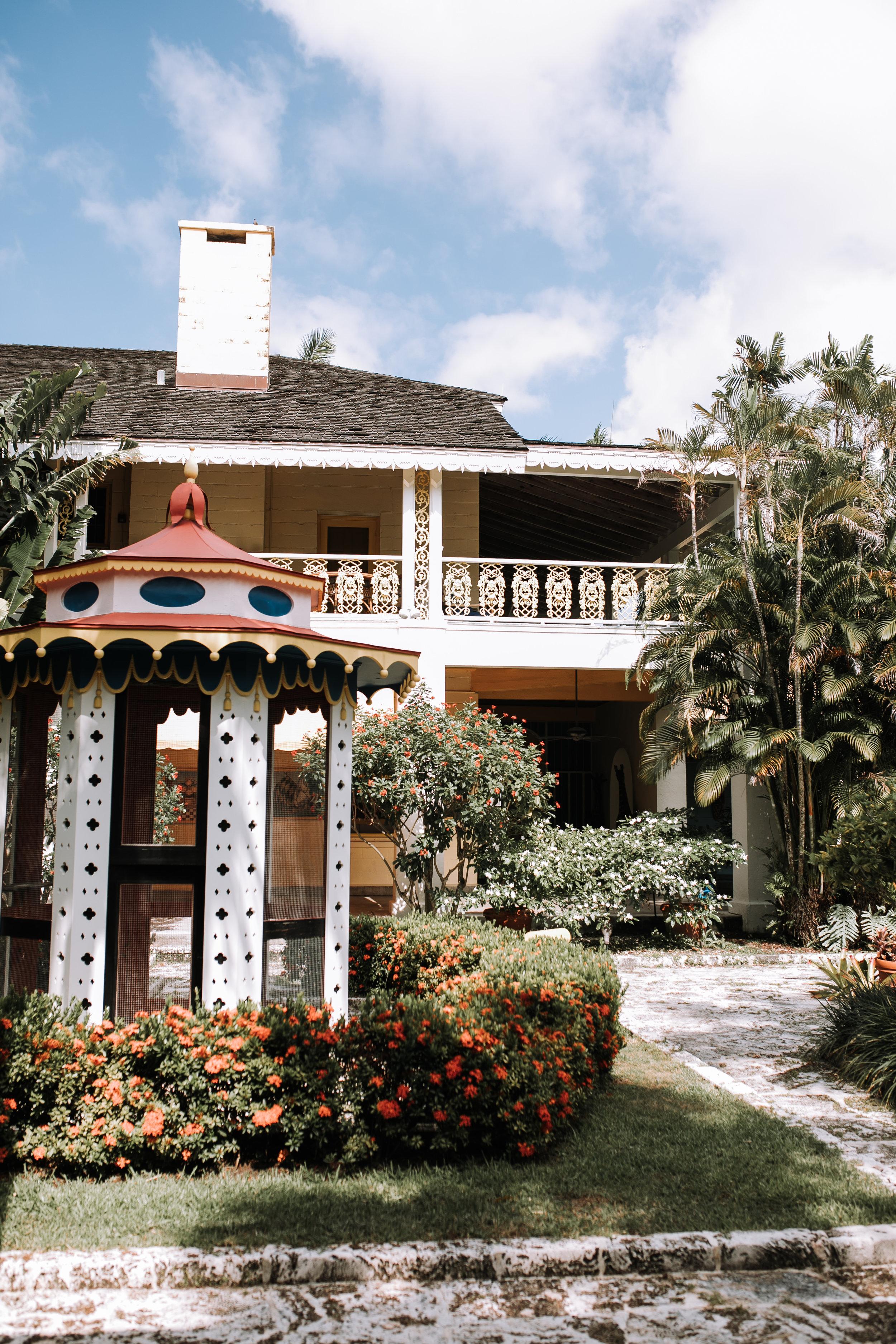 Bonett-House-wedding-courtyard-space