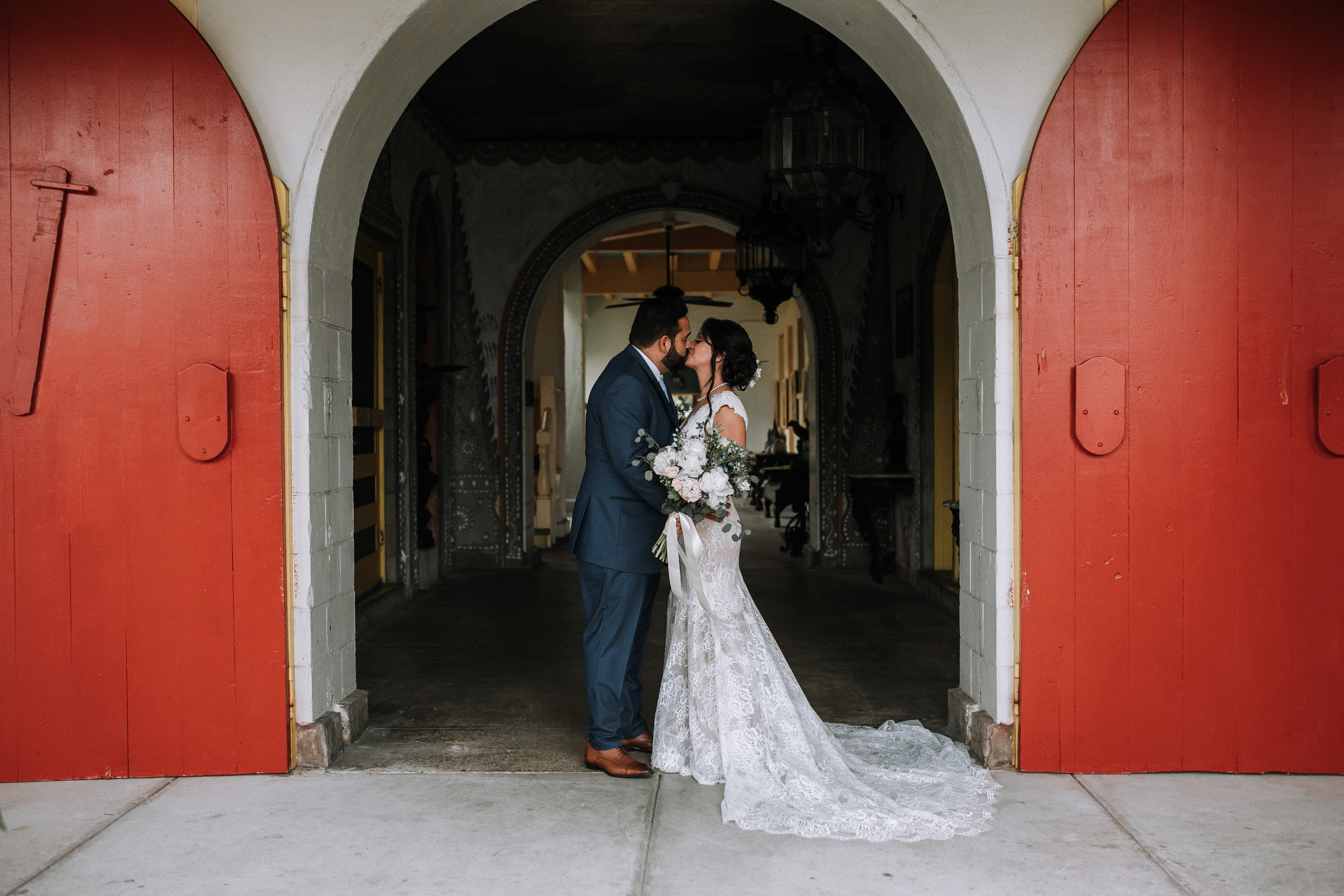 Bonett-House-wedding-fort-lauderdale-bride-and-groom-portraits