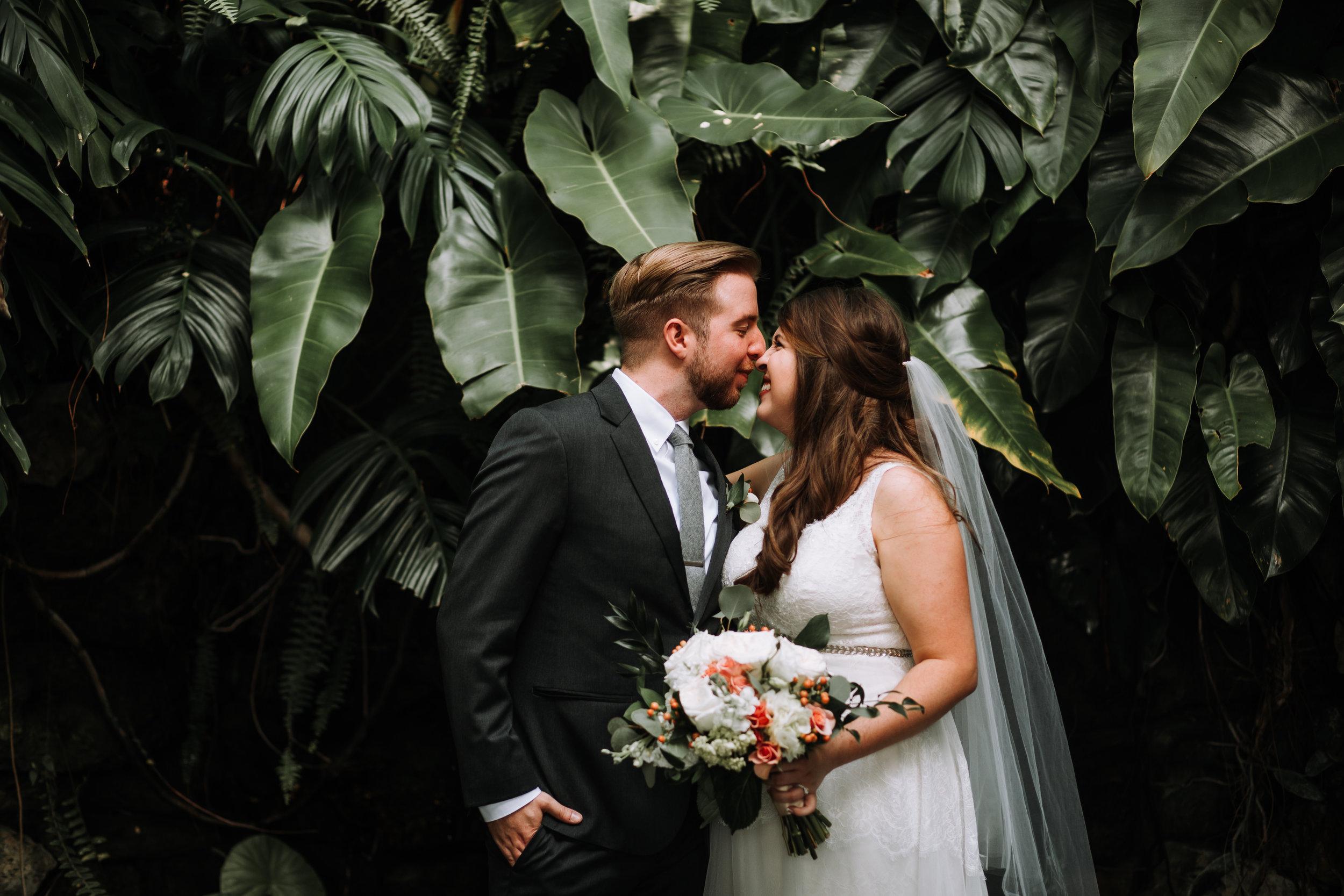 hollis-gardens-lakeland-florida-wedding-portraits