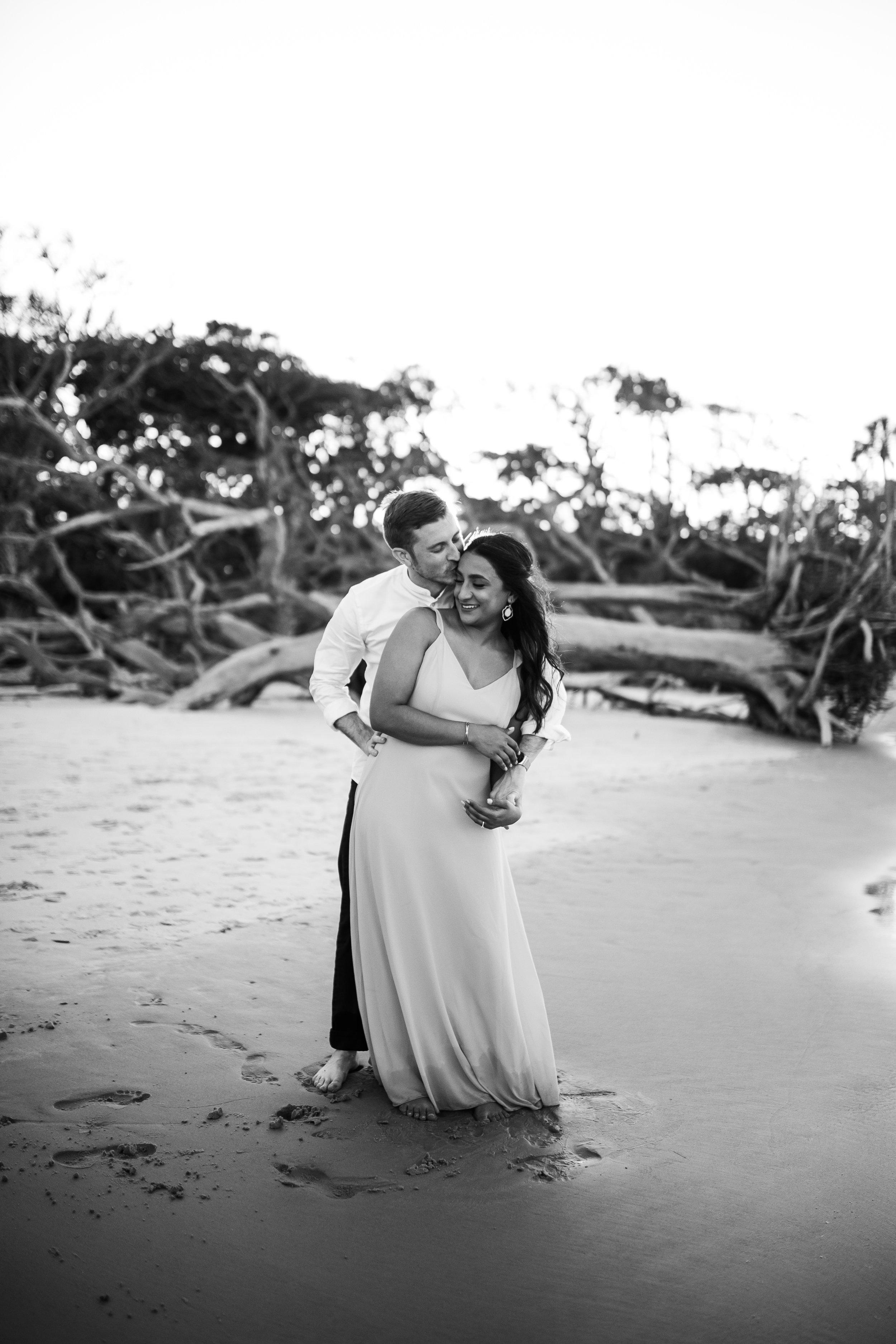 driftwood-beach-Jacksonville-Florida-engagement-photographer