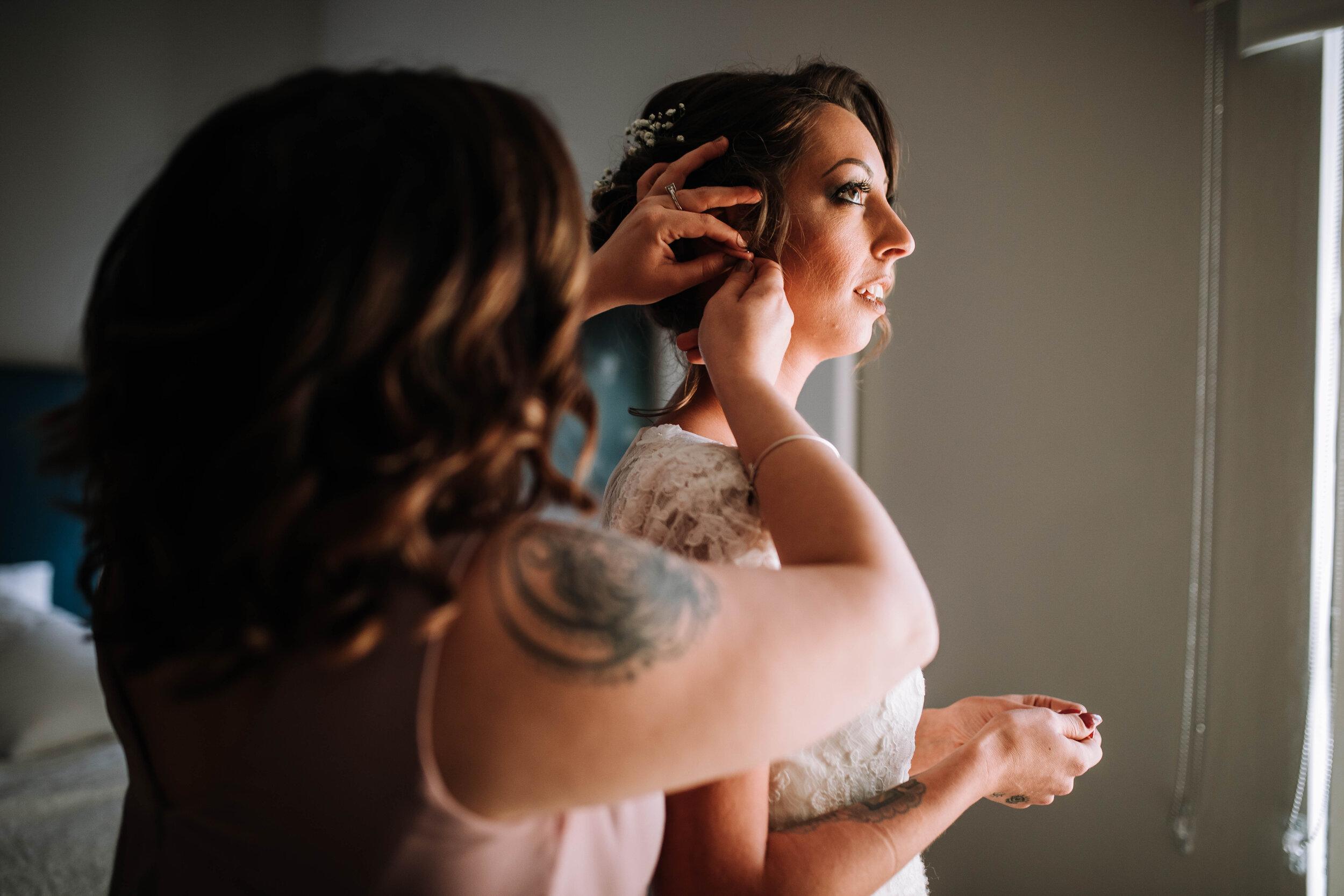 jupiter-florida-getting-ready-wedding-picture