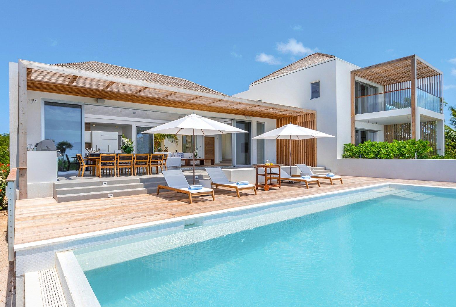 High-Res-BELB-Villa-2-Pool-3-5b9a95d46cfe8.jpg