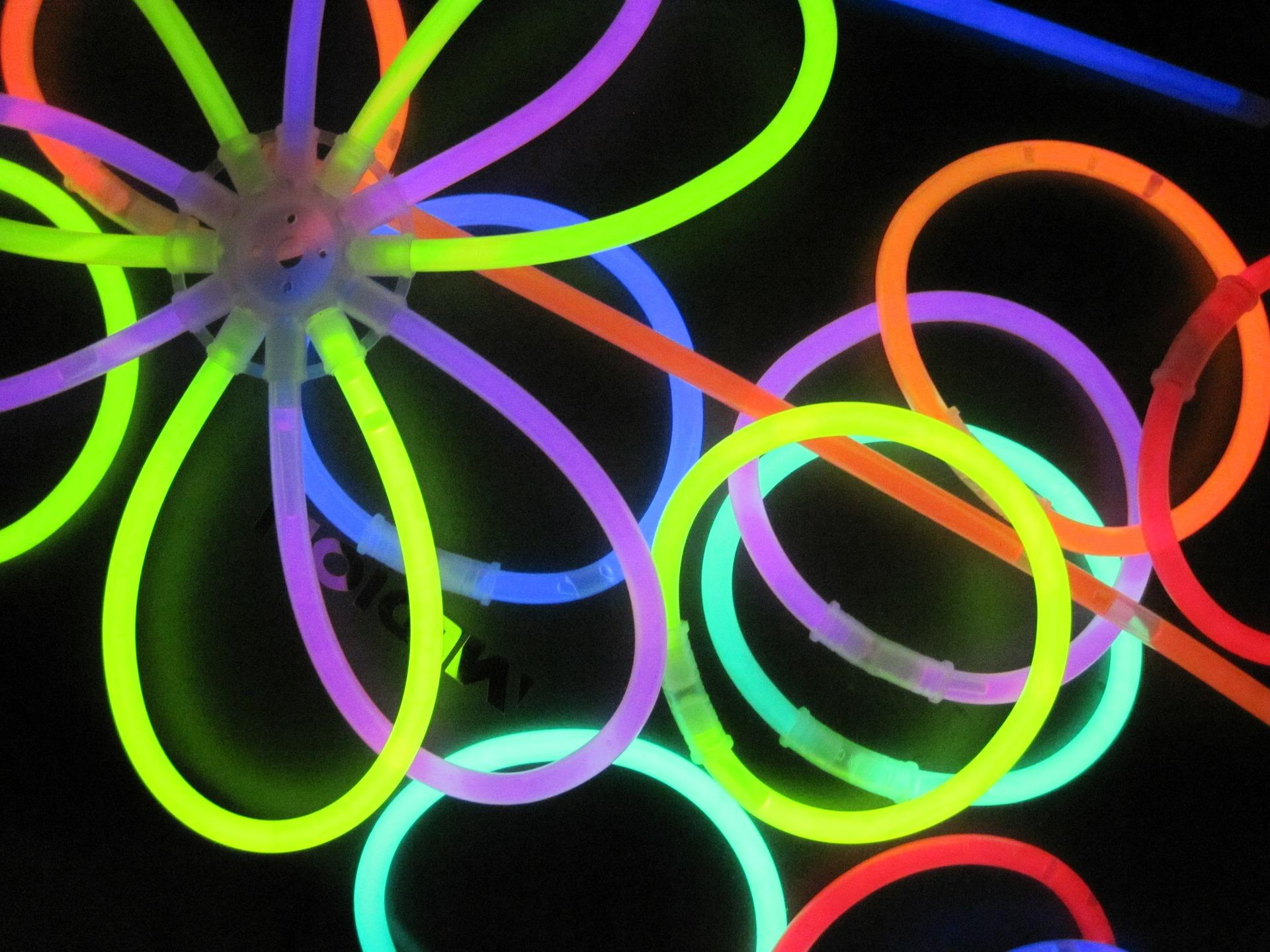 glow-stick-558591_1920.jpg
