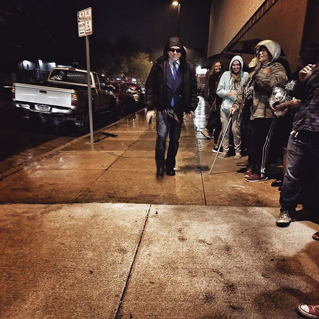 @tommywiseau makes his entrance at a recent event, passing a line of fans waiting outside in the rain. 🤩 • #BestFriends #BestFriendsMovie #TheRoom #TheDisasterArtist #TommyWiseau #GregSestero #showtime #makeanentrance // 📸 Photo by @xsleepyxheadx