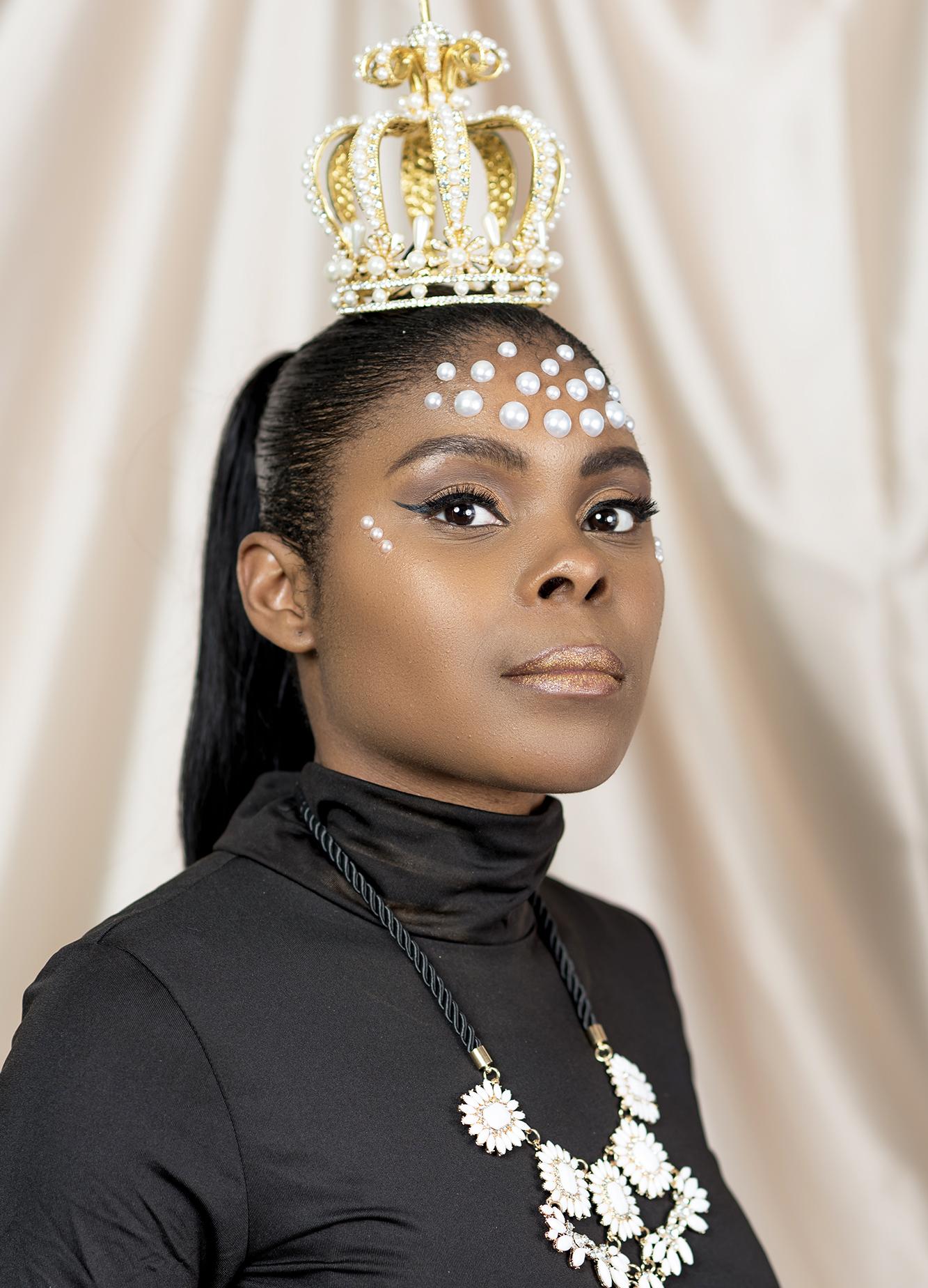 Photographer: @iipixphotography   Makeup Artist: @ officialjaimesweeney   Model:@ officialjaimesweeney