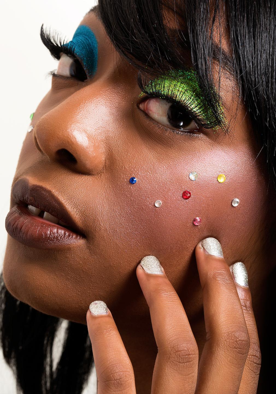 glitter eyeshadow makeup look