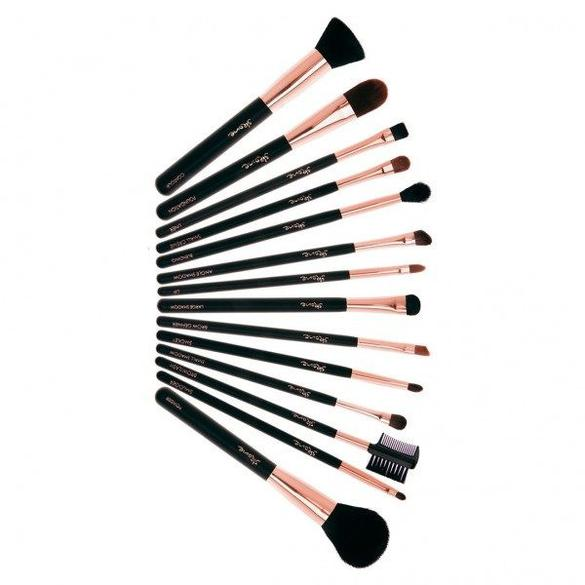These gorgeous Skone Cosmetics brushes will not only make you look good, but feel good. They're cruelty-free!