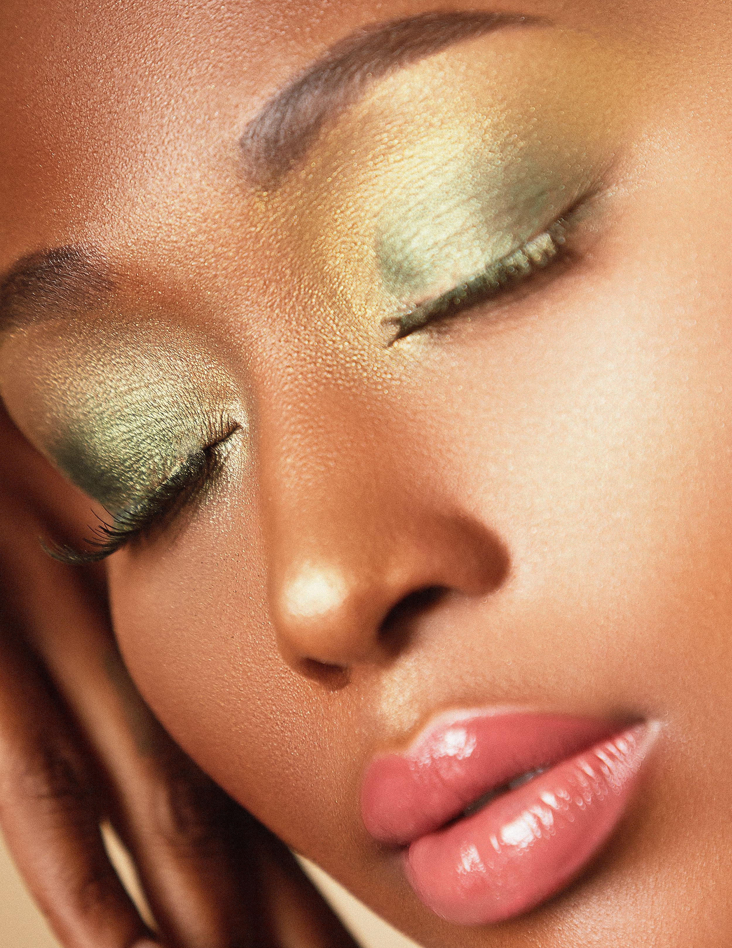 Green smokey eye looks for Fall